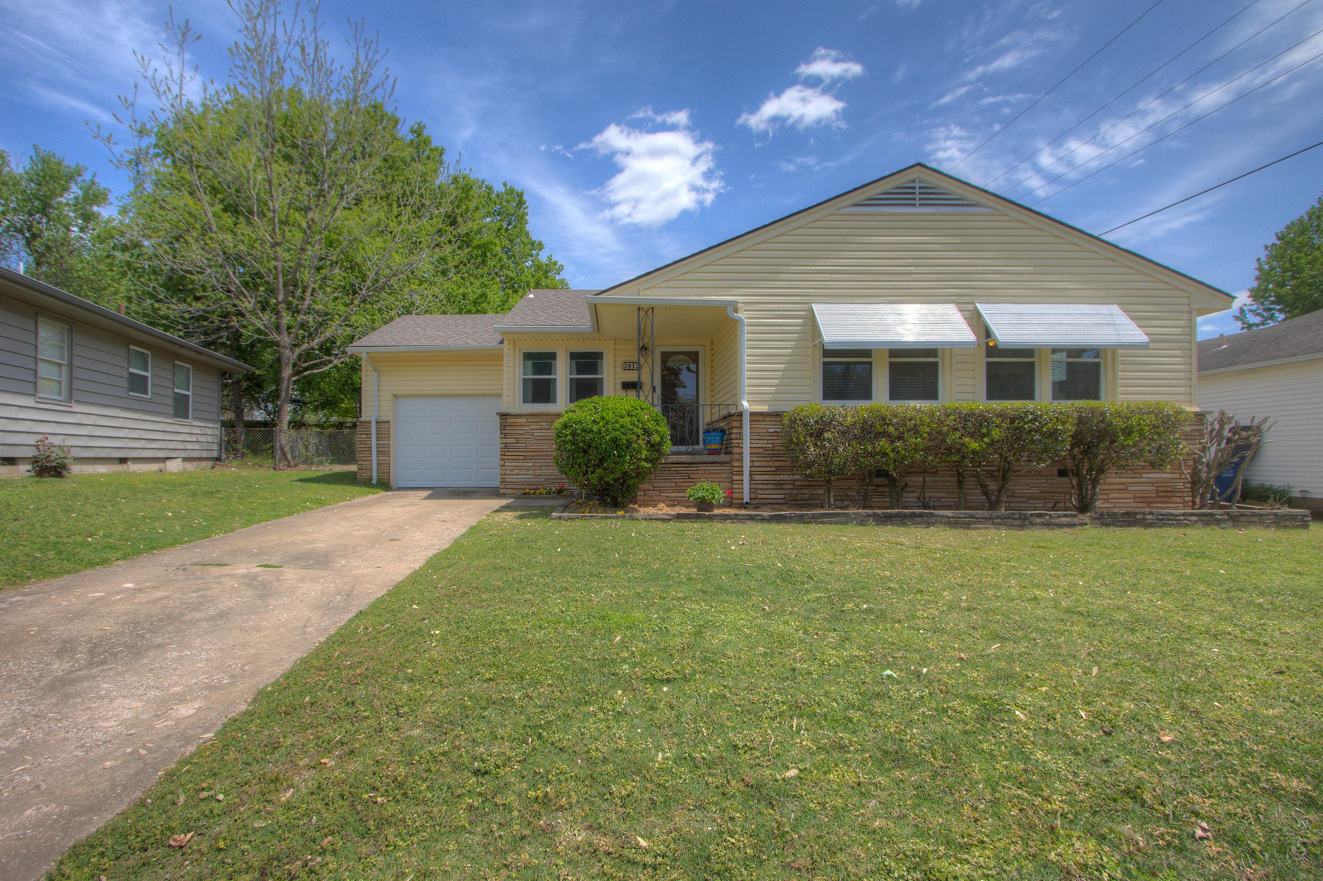 3913 S Jamestown Avenue Property Photo 1