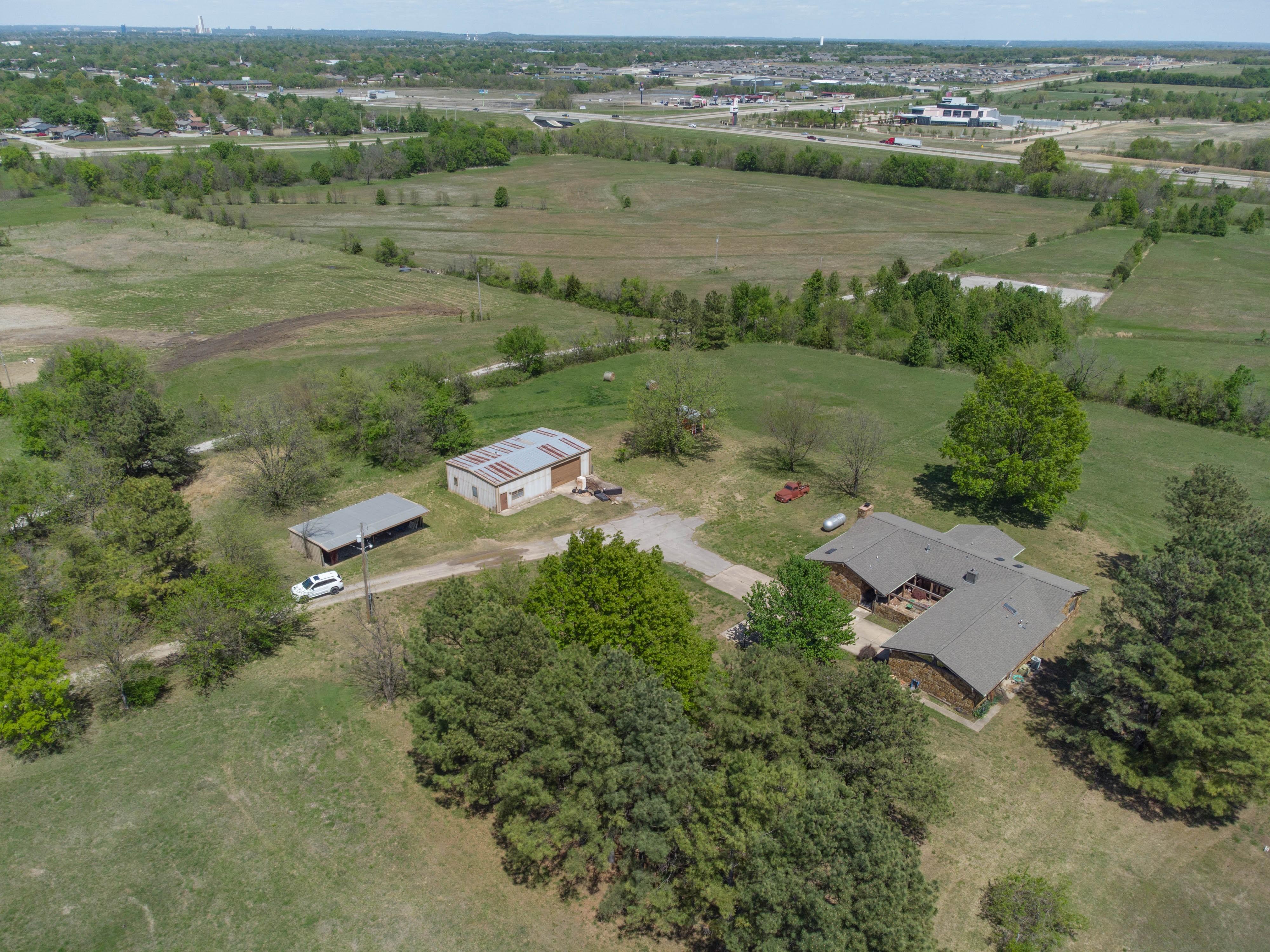 15507 S 26th West Avenue Property Photo 13