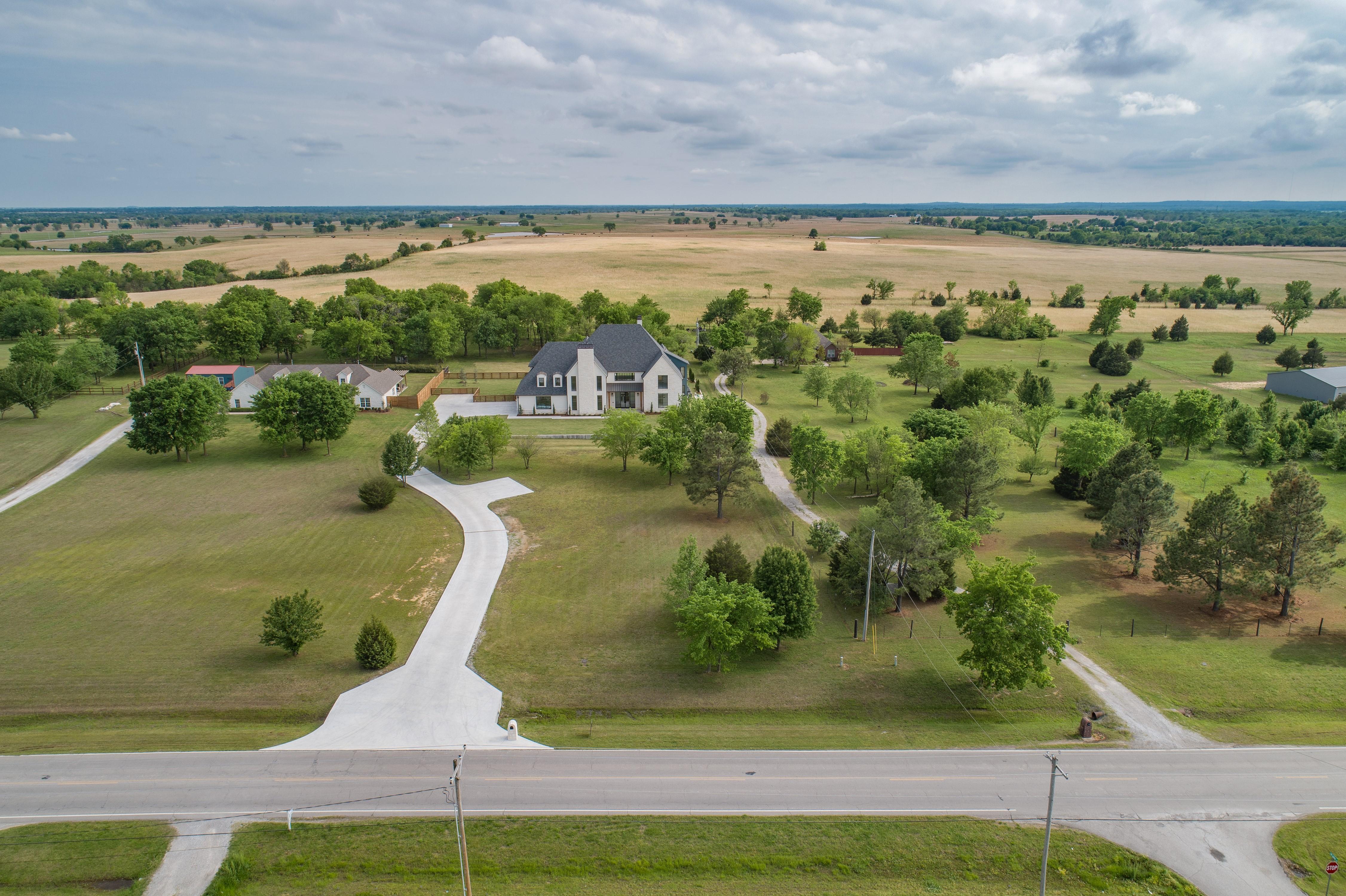 16288 E 590 Road Property Photo 9