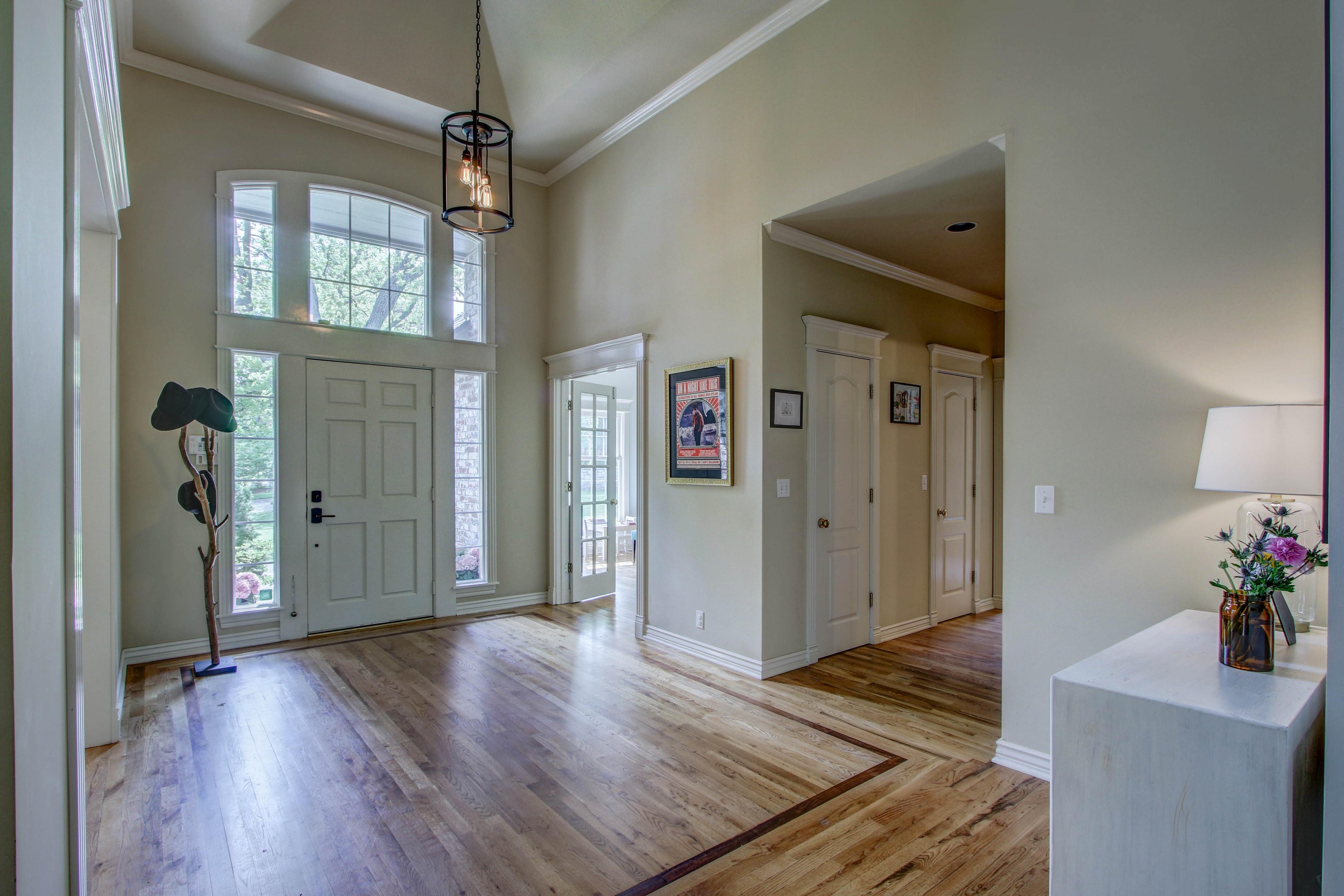 8024 S Darlington Avenue Property Photo 4