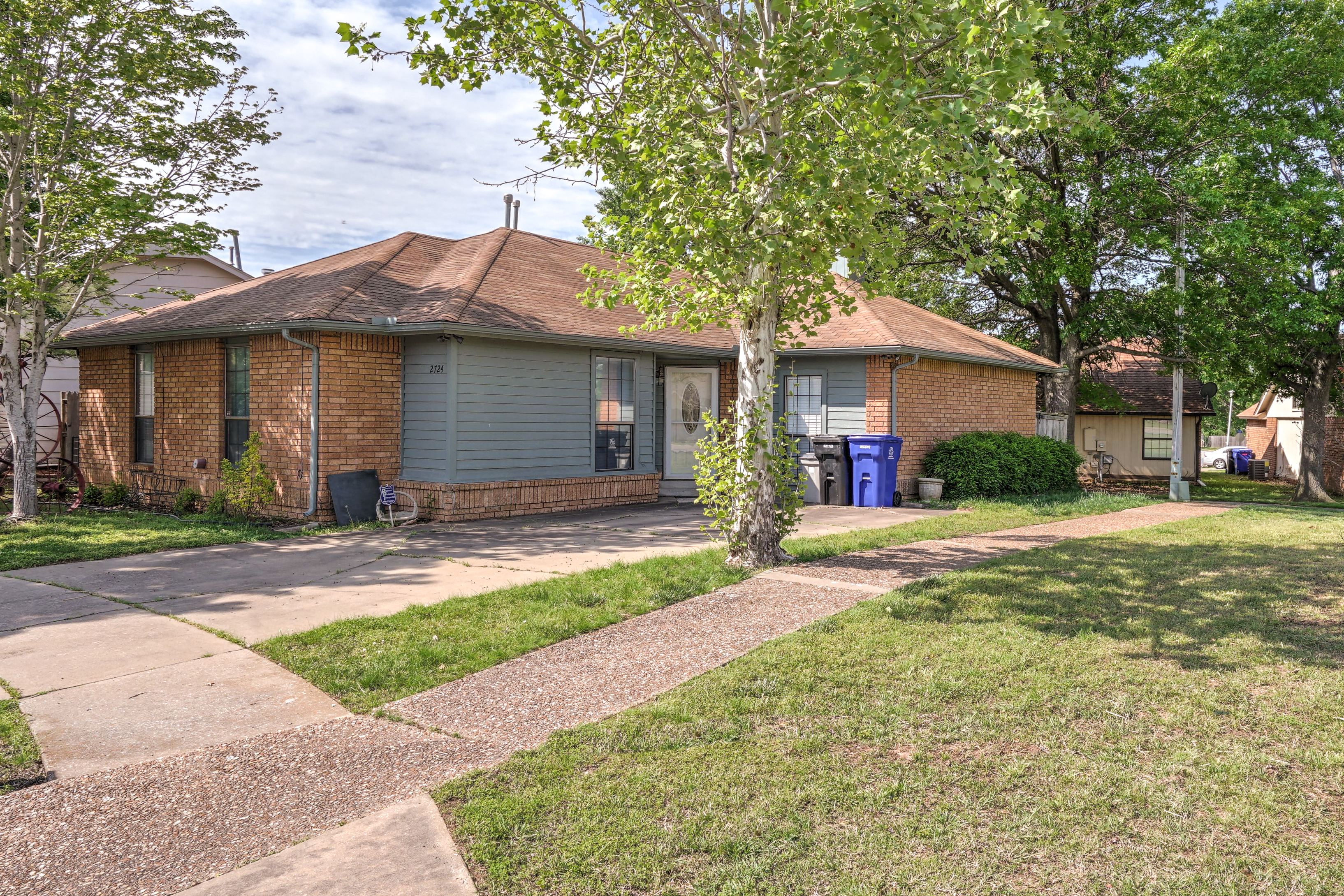 2724 S Narcissus Place Property Photo 1