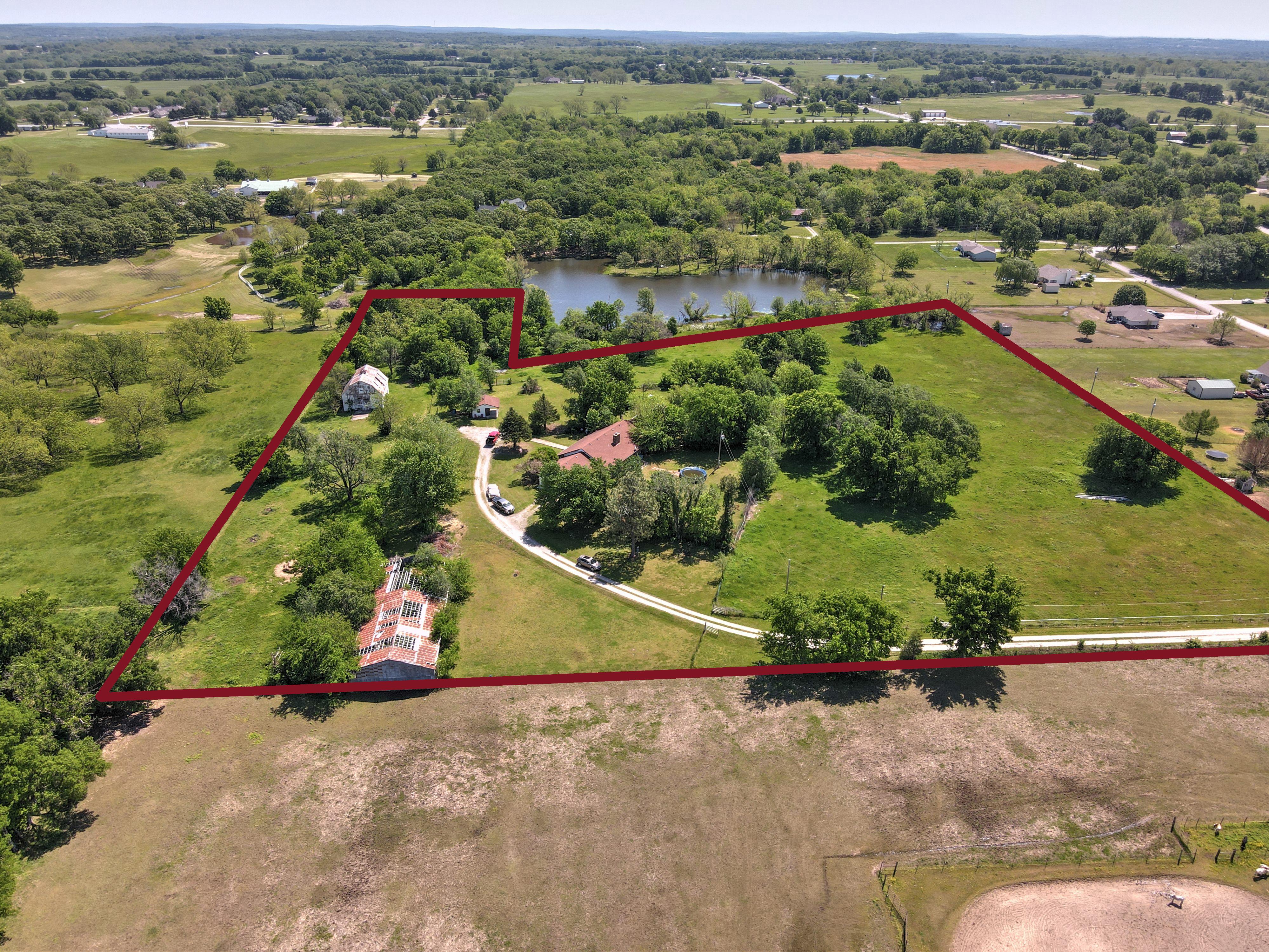 10451 E 450 Road Property Photo 1