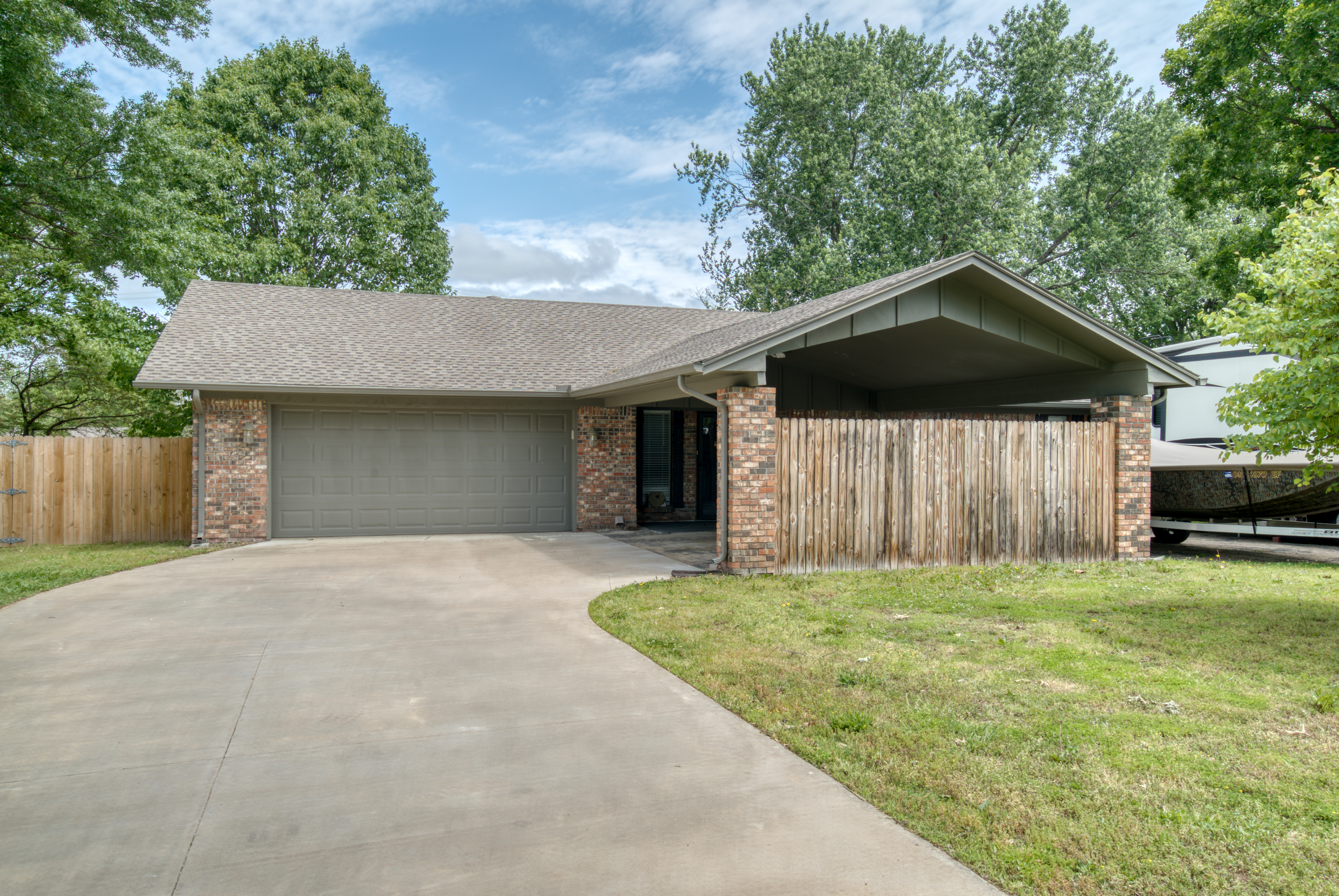 617 Post Oak Road Property Photo 1