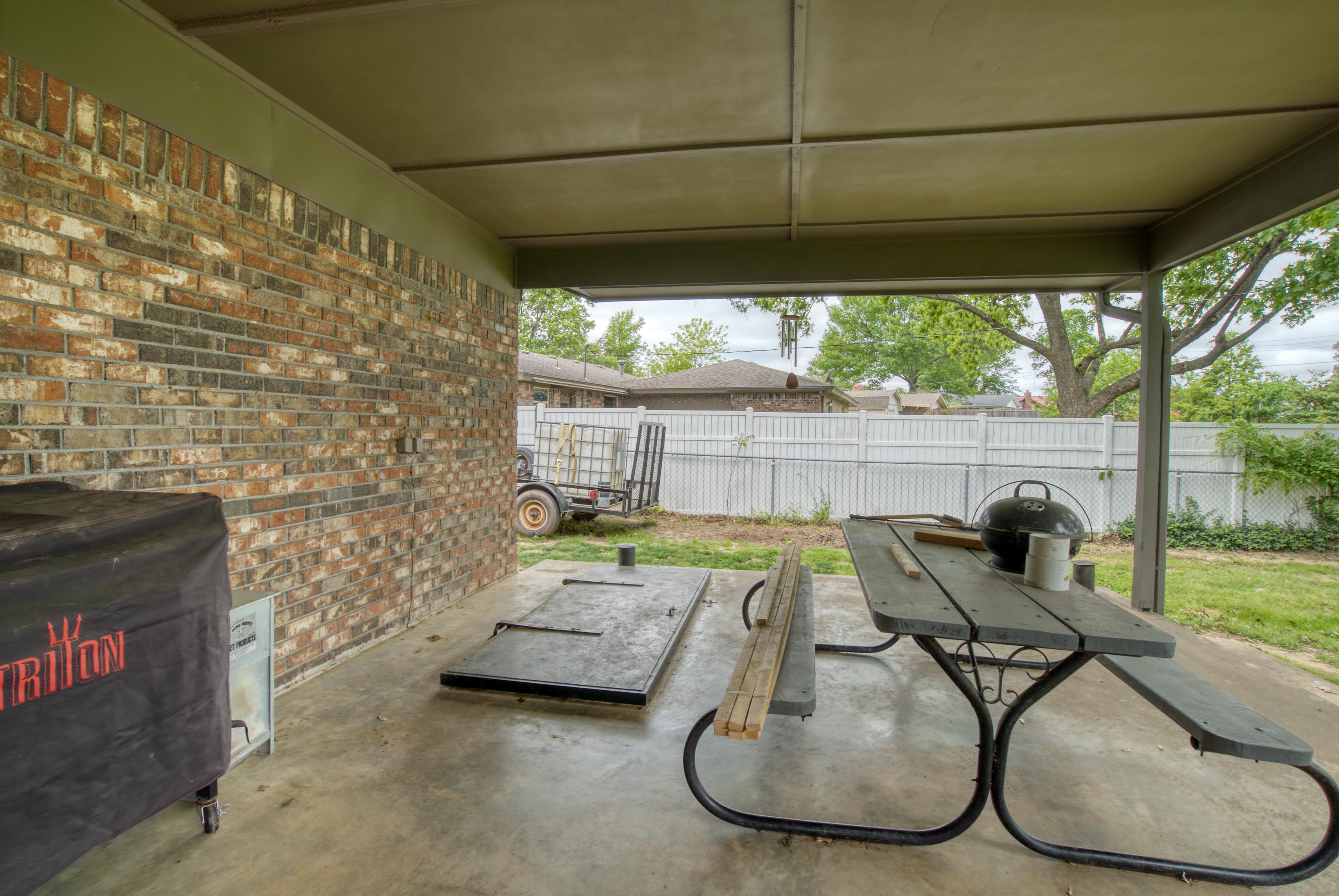617 Post Oak Road Property Photo 20