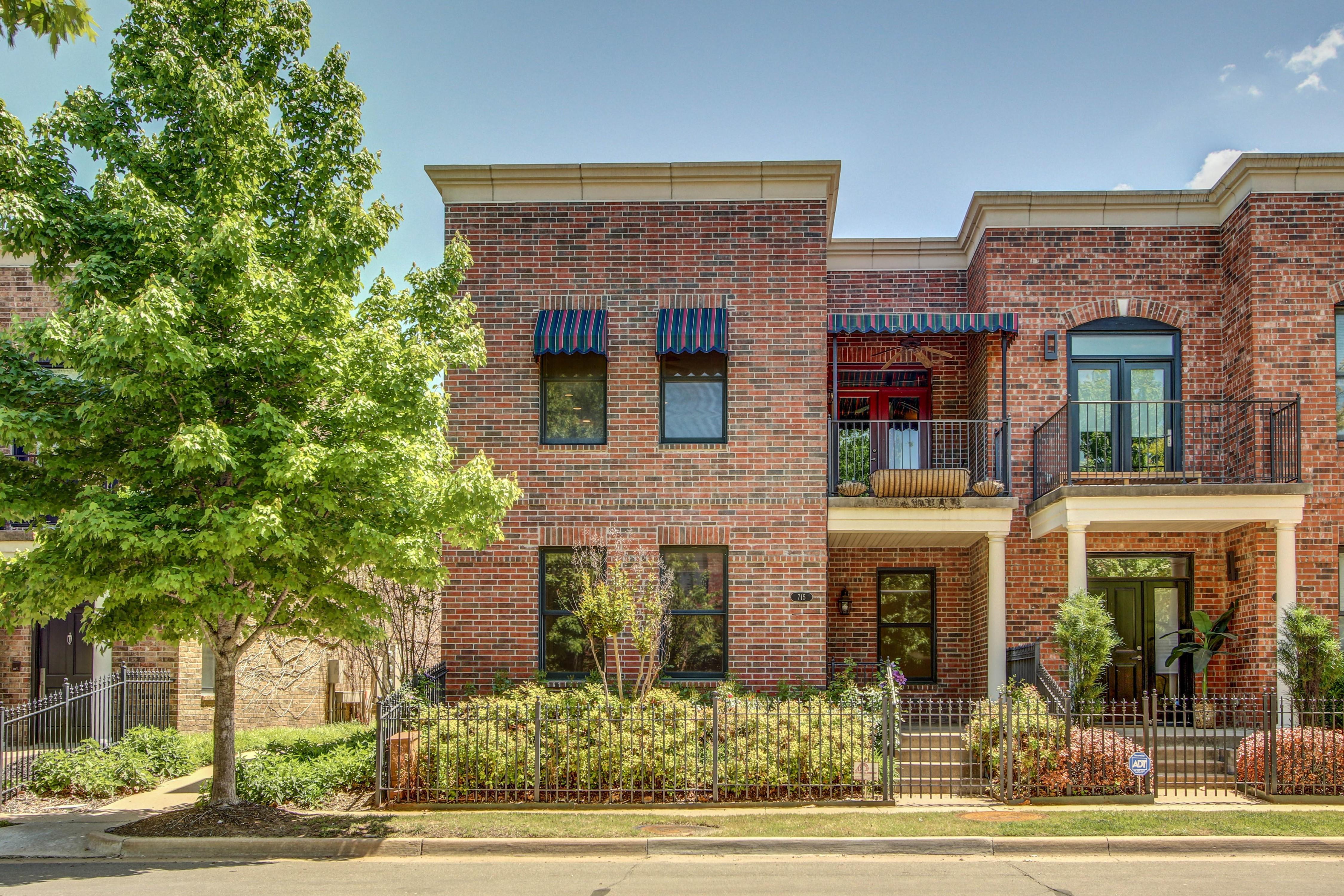 715 S Norfolk West Avenue Property Photo 1