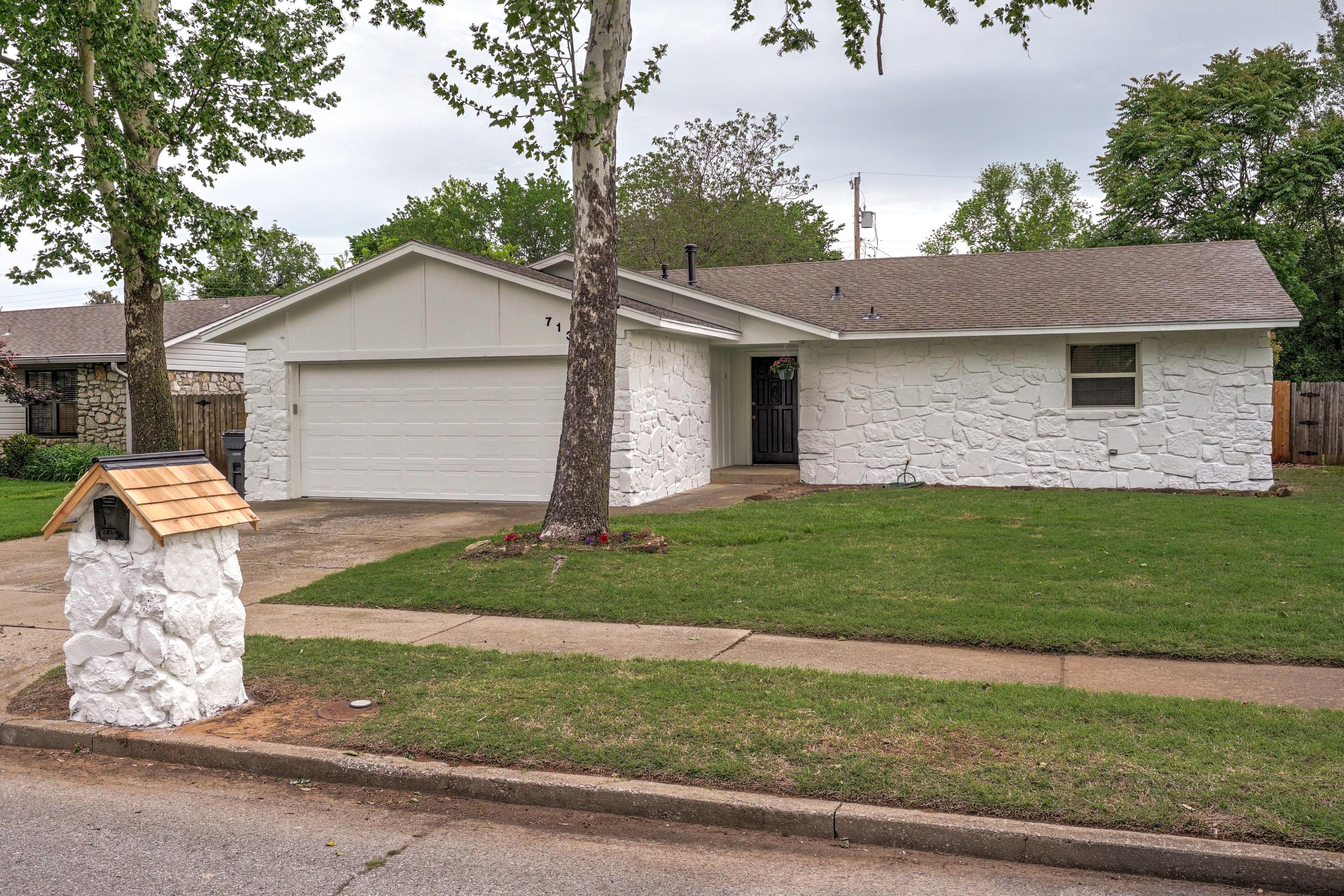 713 E Beaver Street Property Photo