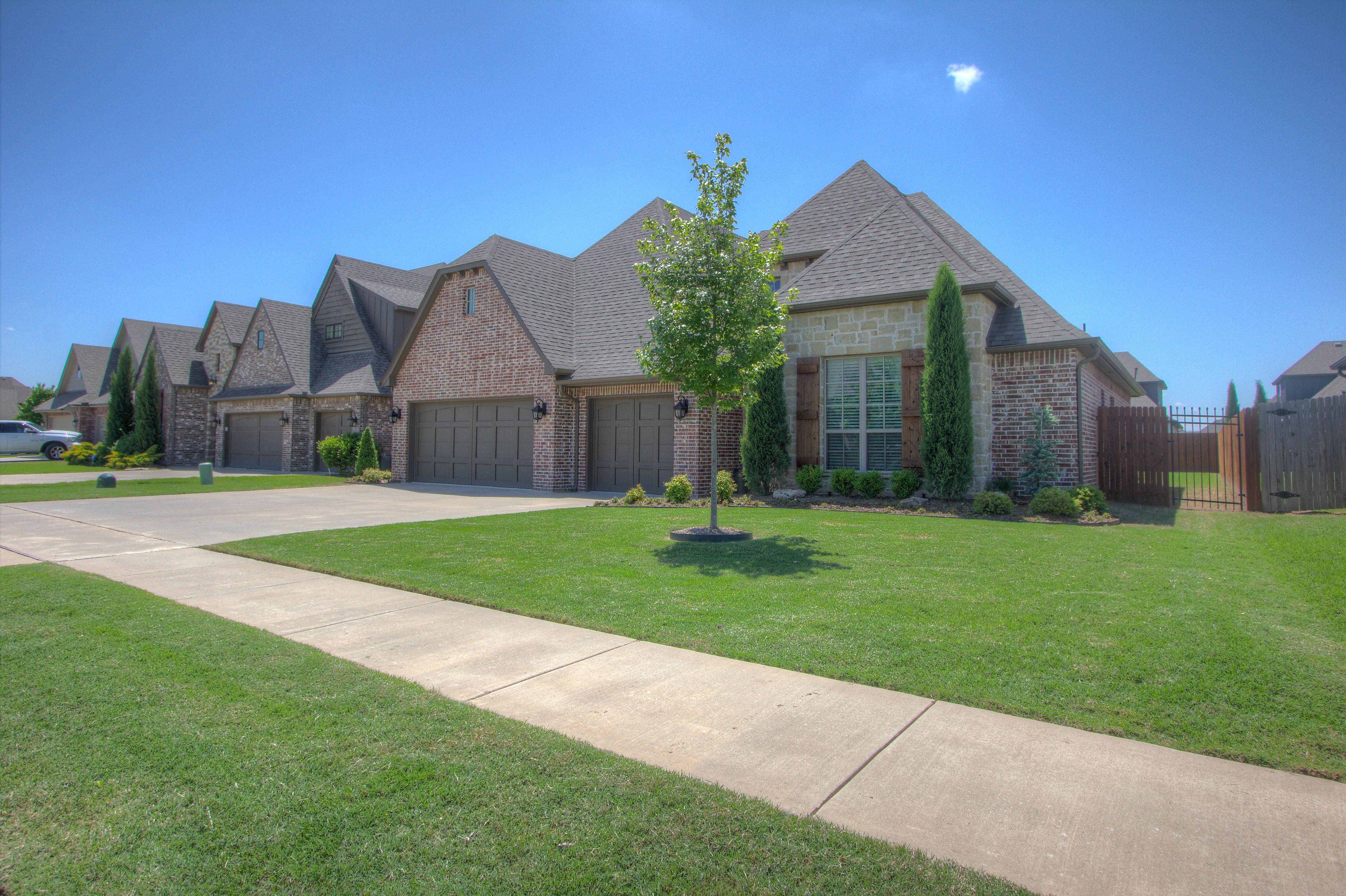 6644 E 124th Place Property Photo 1