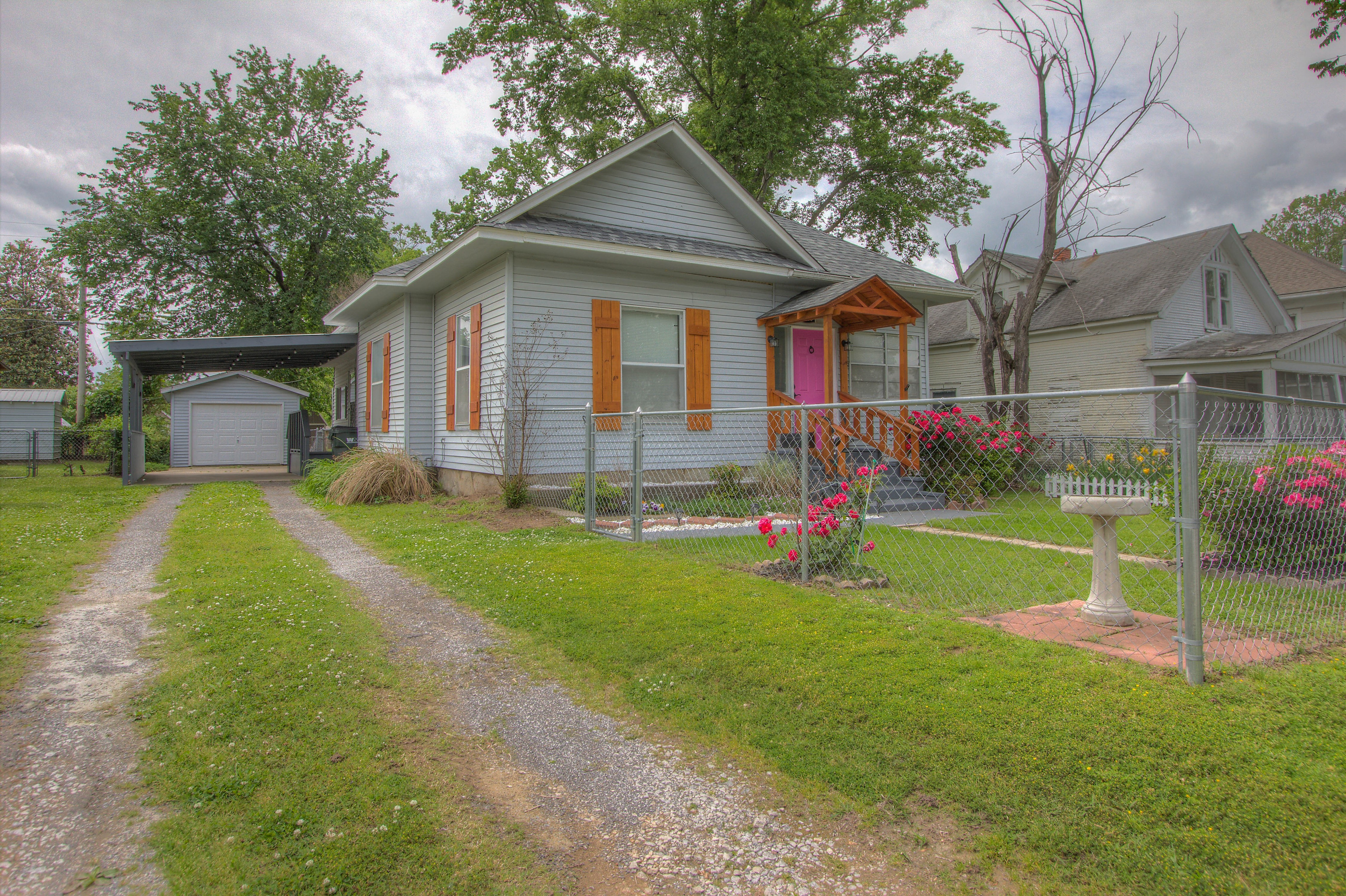 1410 E Thompson Avenue Property Photo 1