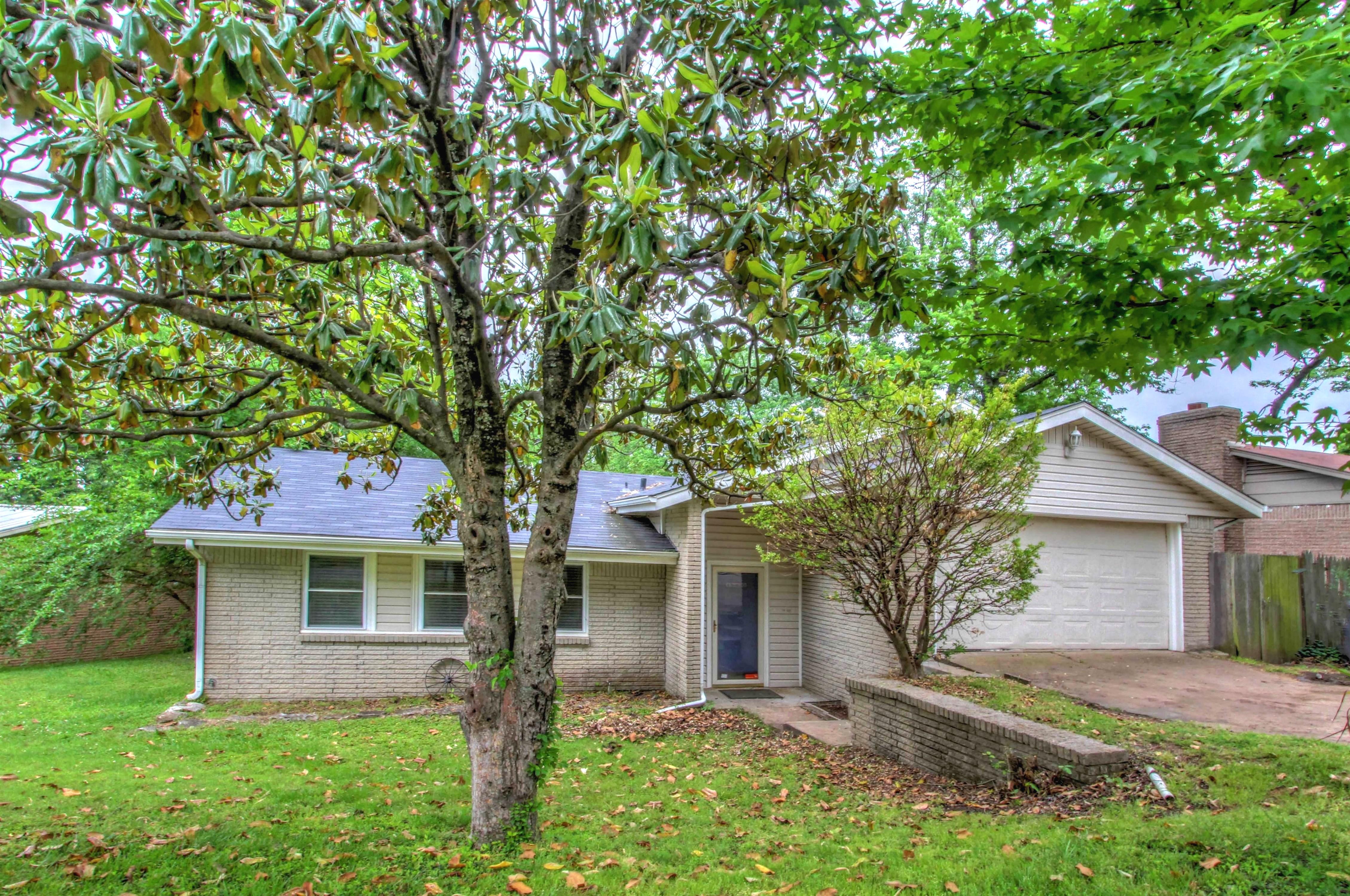 18526 E Admiral Boulevard Property Photo 1