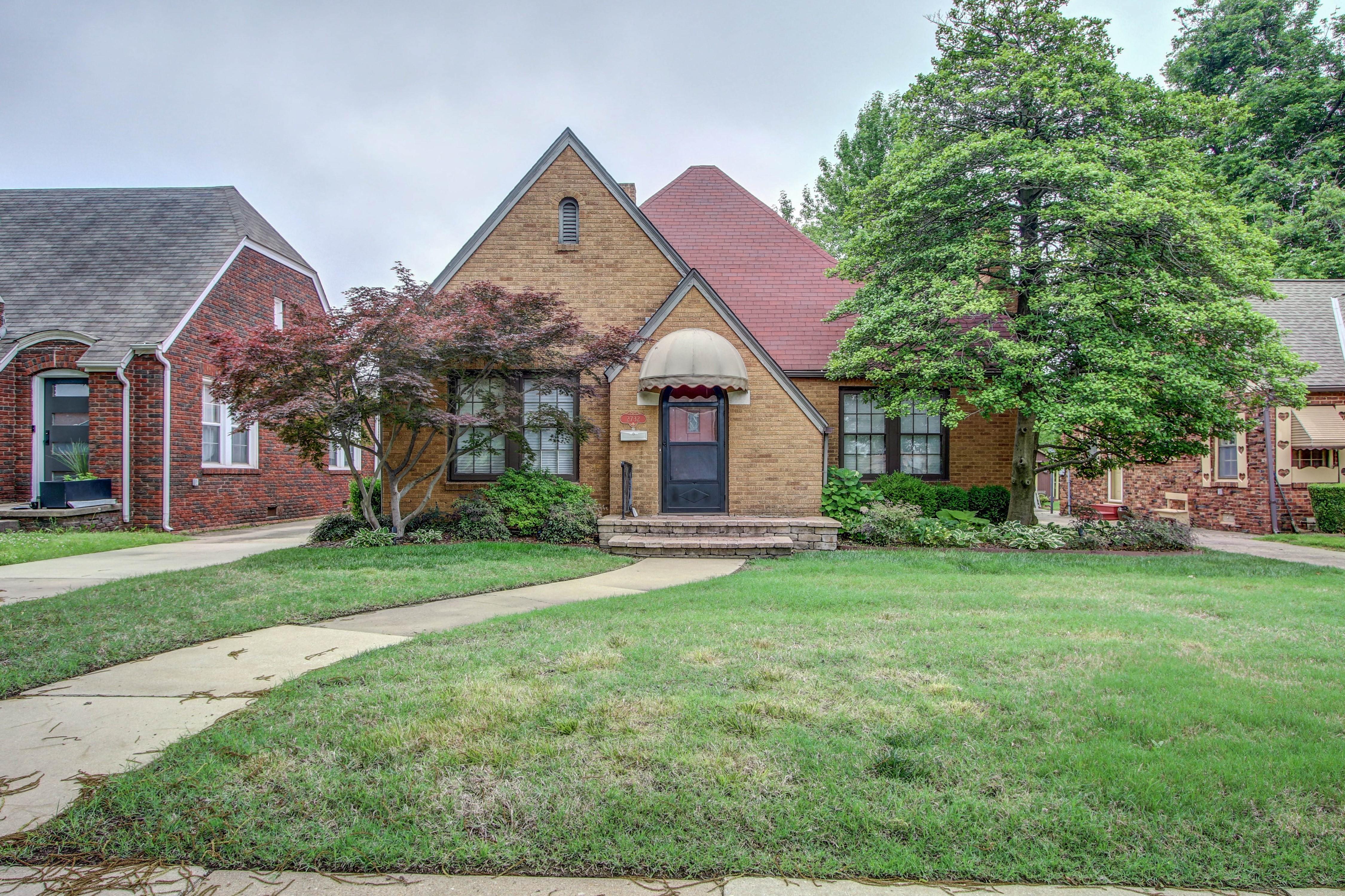 2732 E 13th Street Property Photo 1