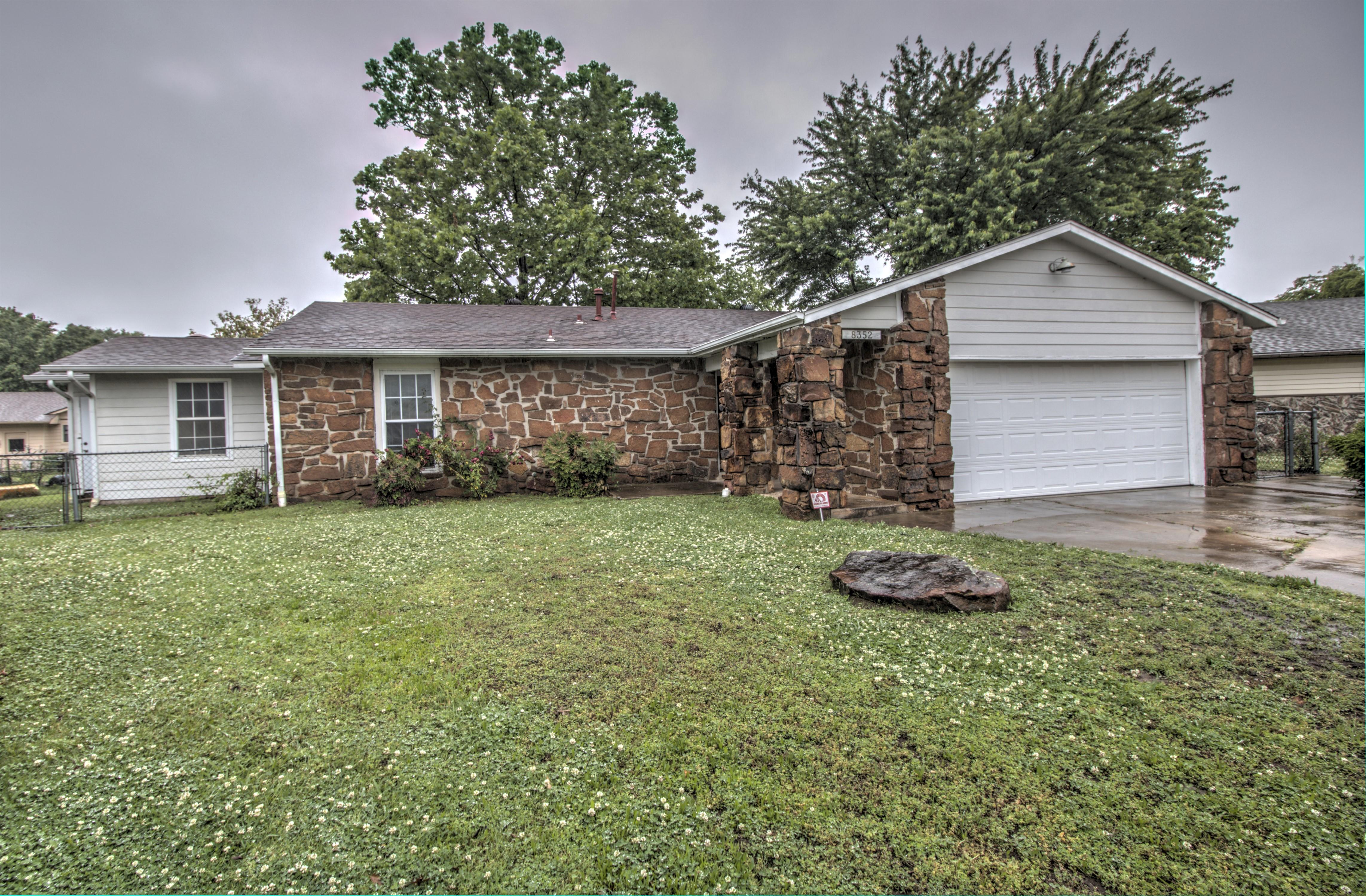 8352 N 120th East Avenue Property Photo 1