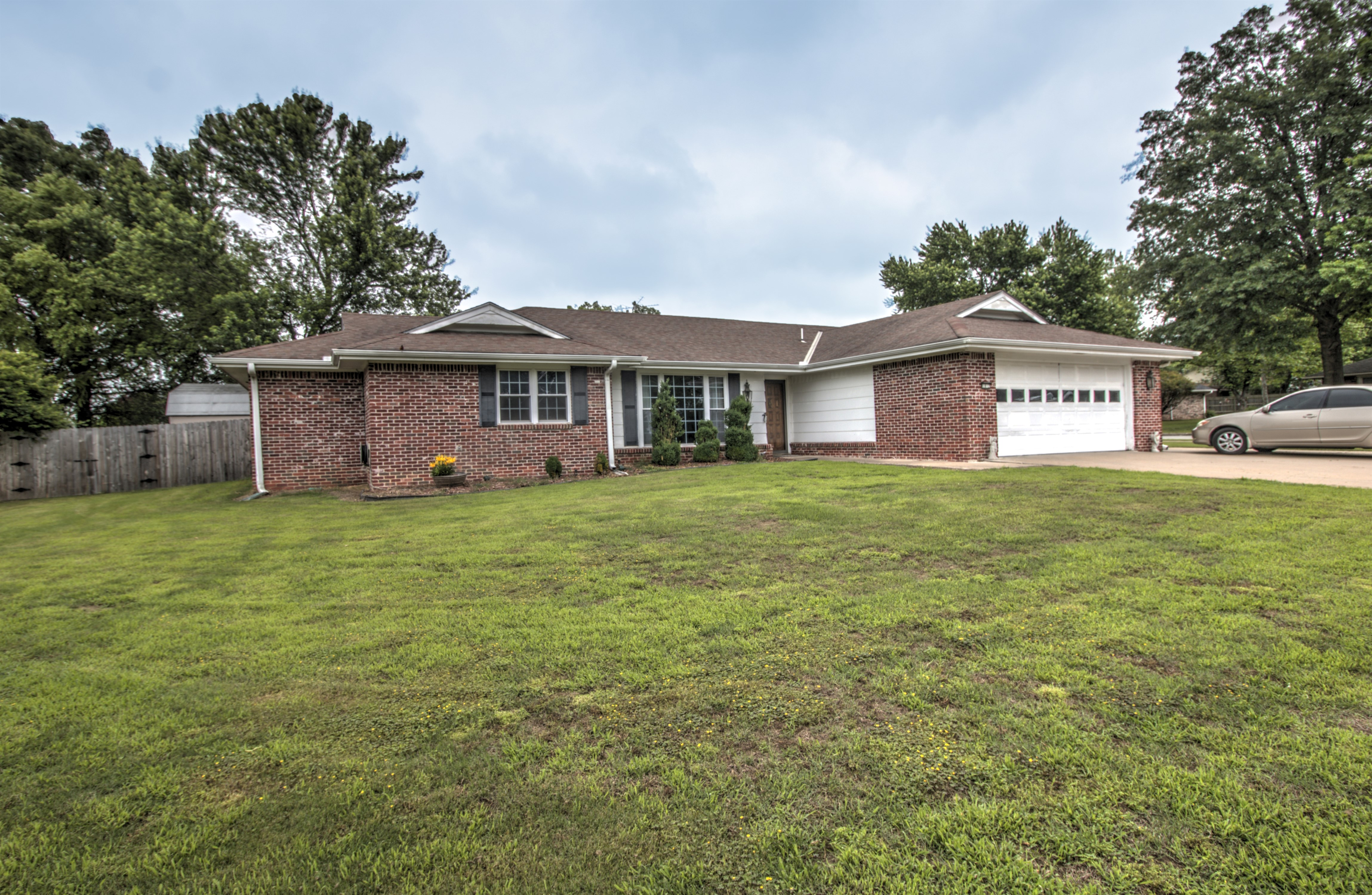 1812 Rolling Hills Court Property Photo 1