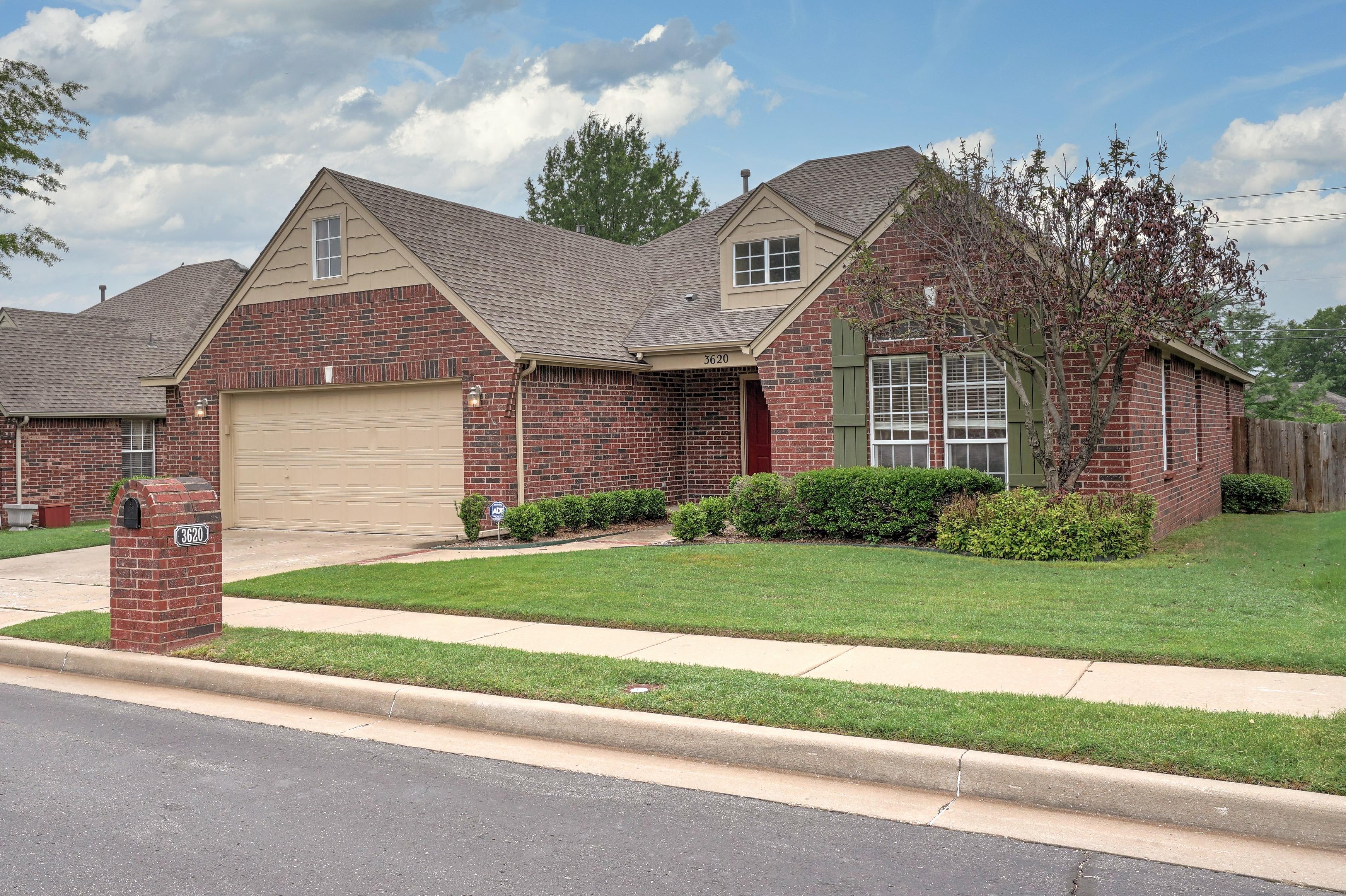 3620 N Ironwood Place Property Photo 1