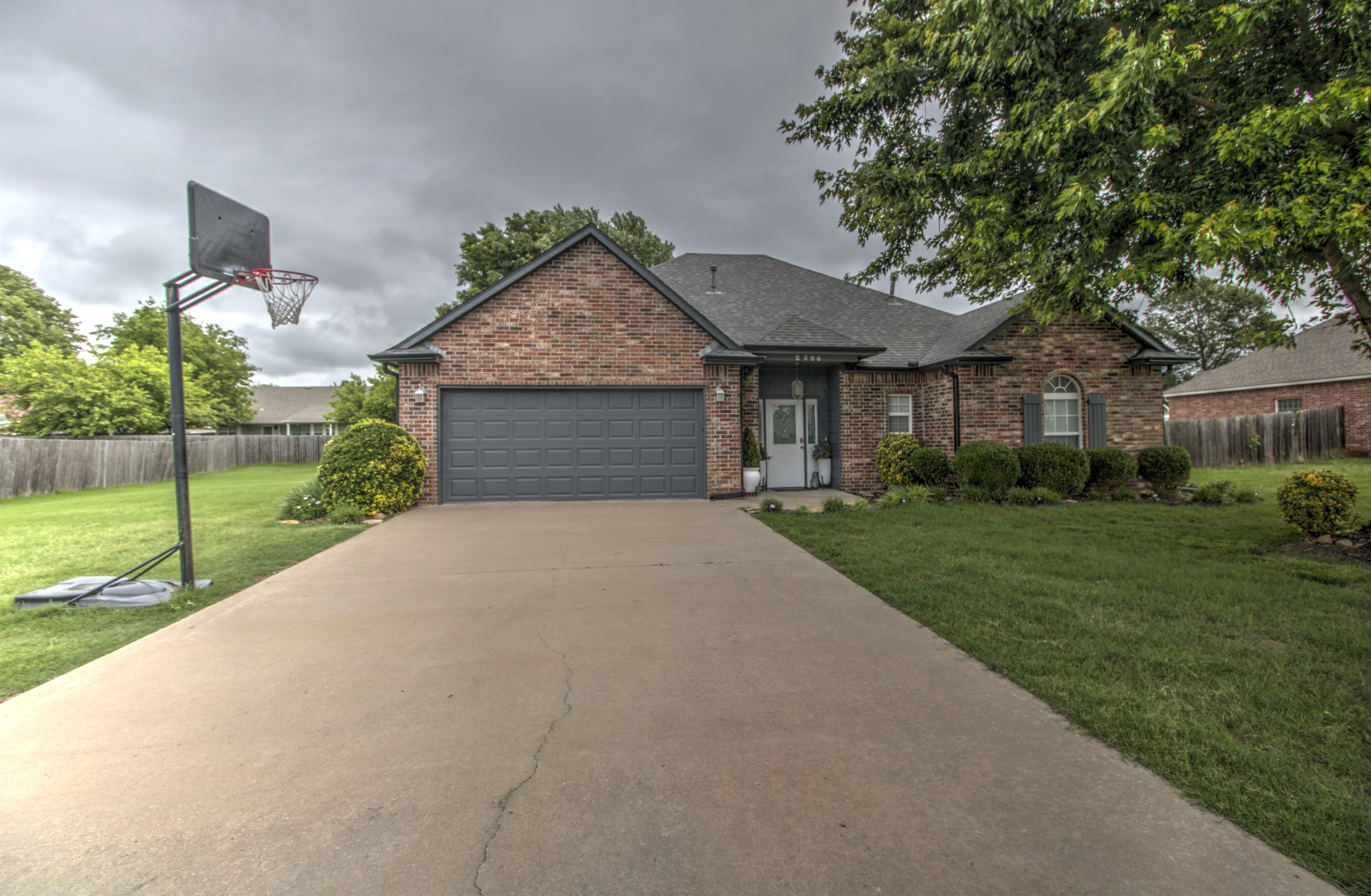 2506 Highwood Place Property Photo