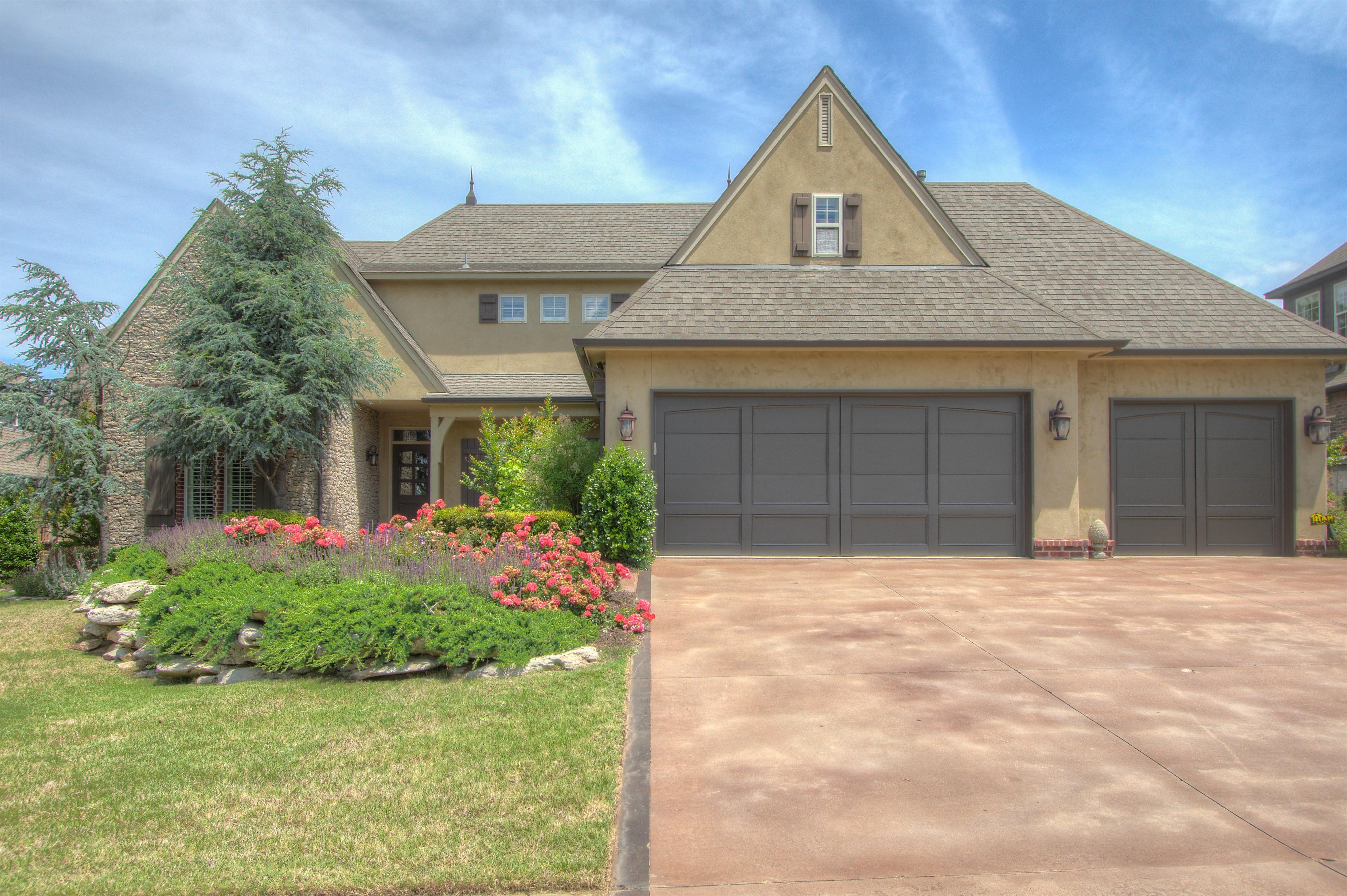 7211 E 112th Place Property Photo 1