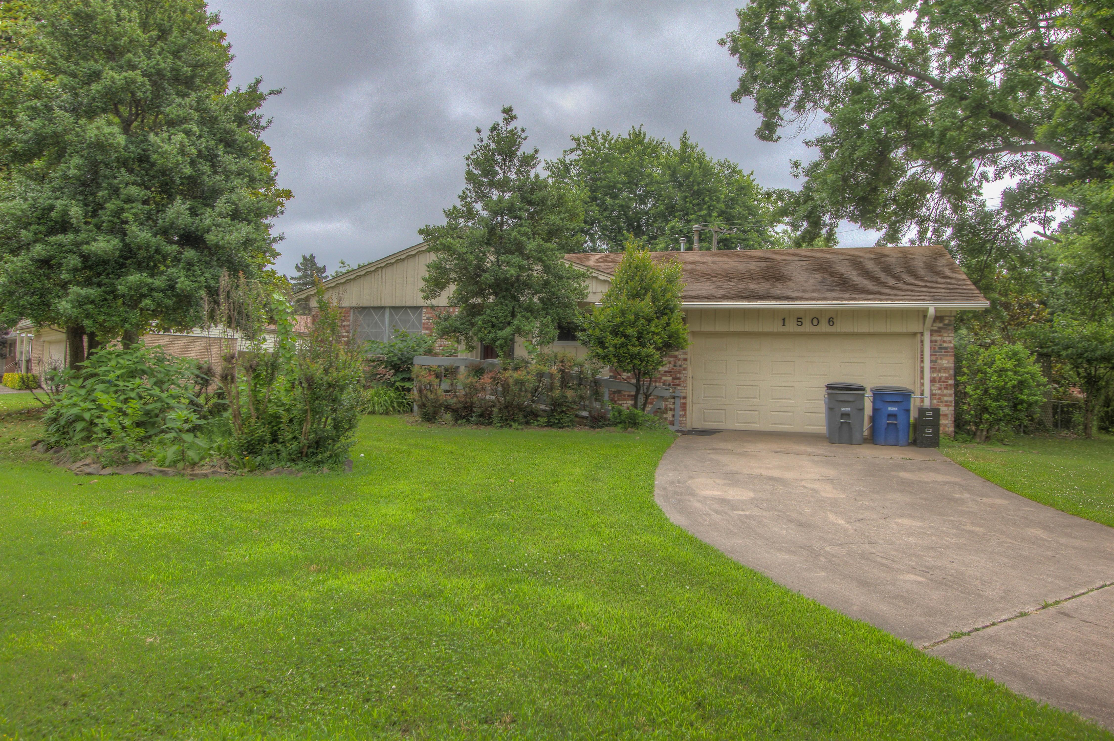 1506 E 58th Street Property Photo 1