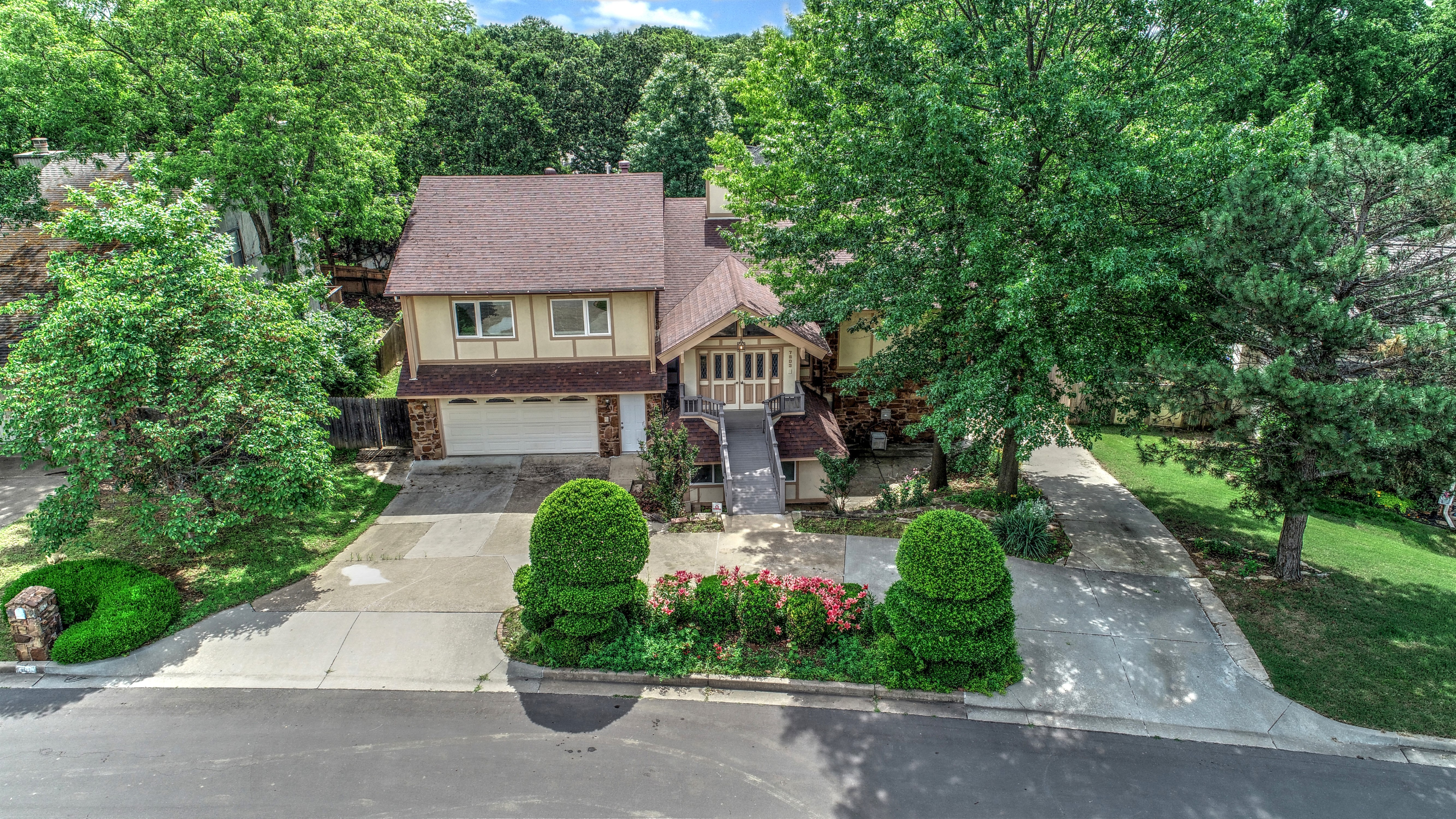 7803 S Irvington Avenue Property Photo 1