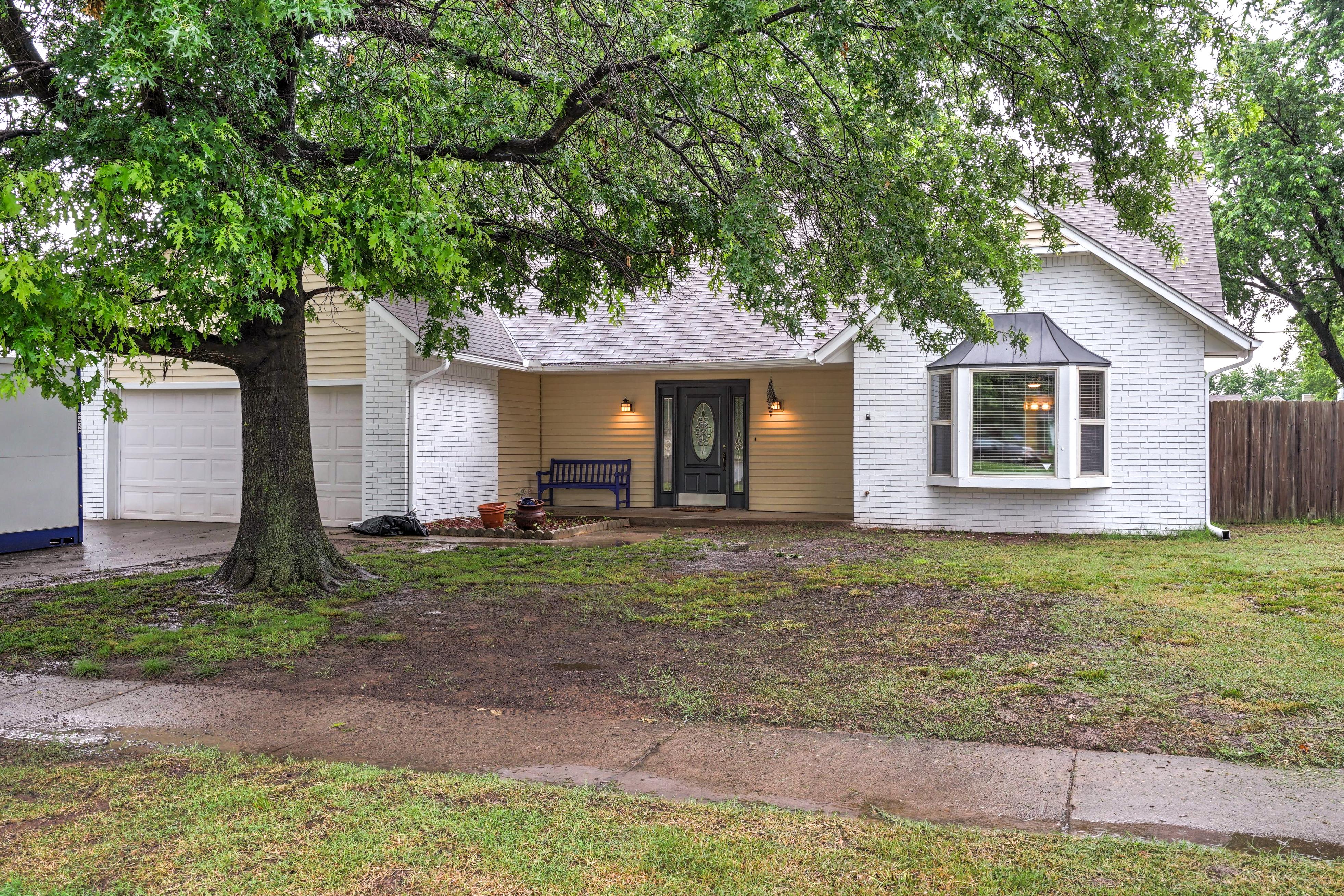 2806 W Washington Place Property Photo 1