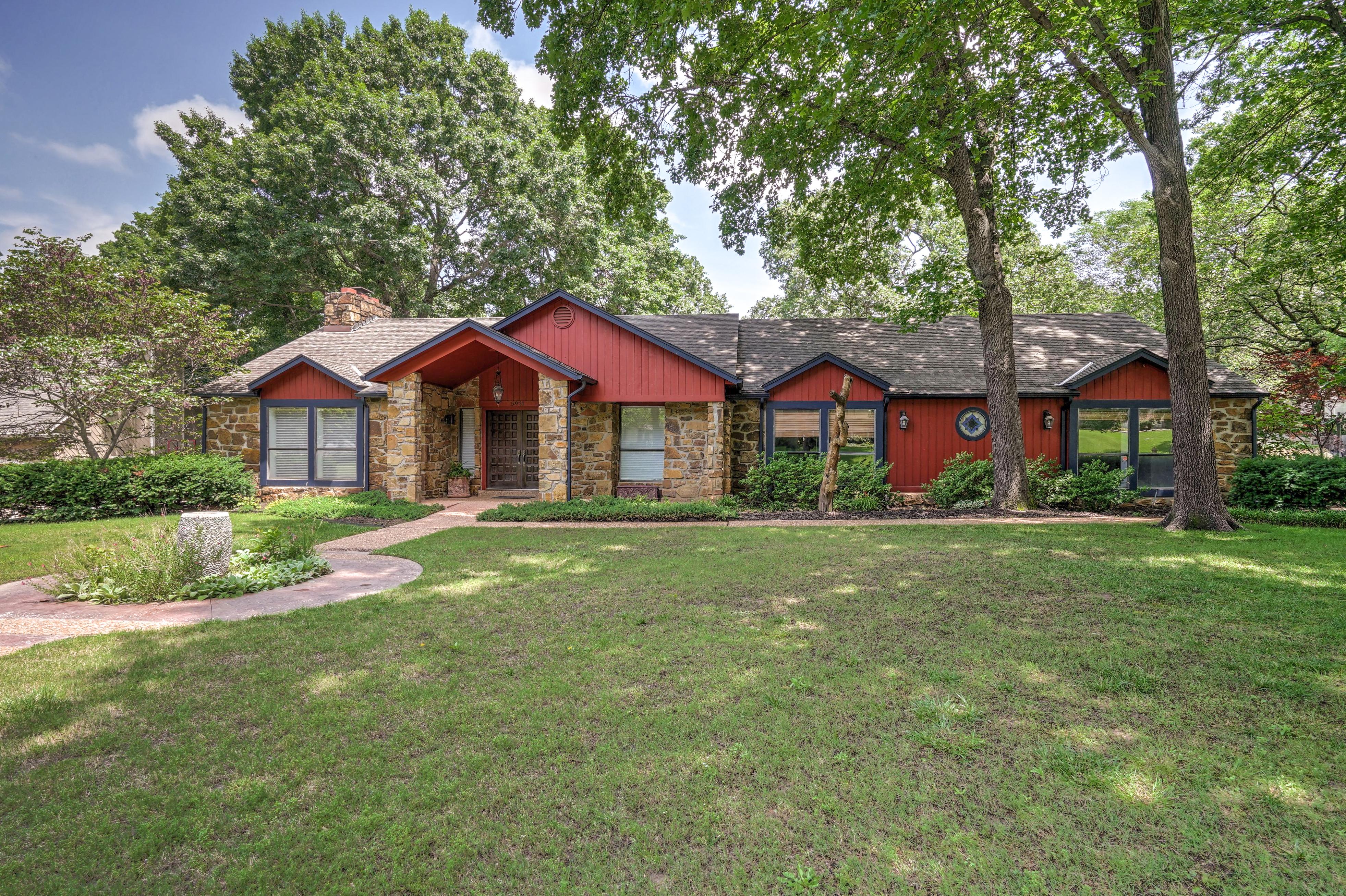5921 E 88th Street Property Photo 1