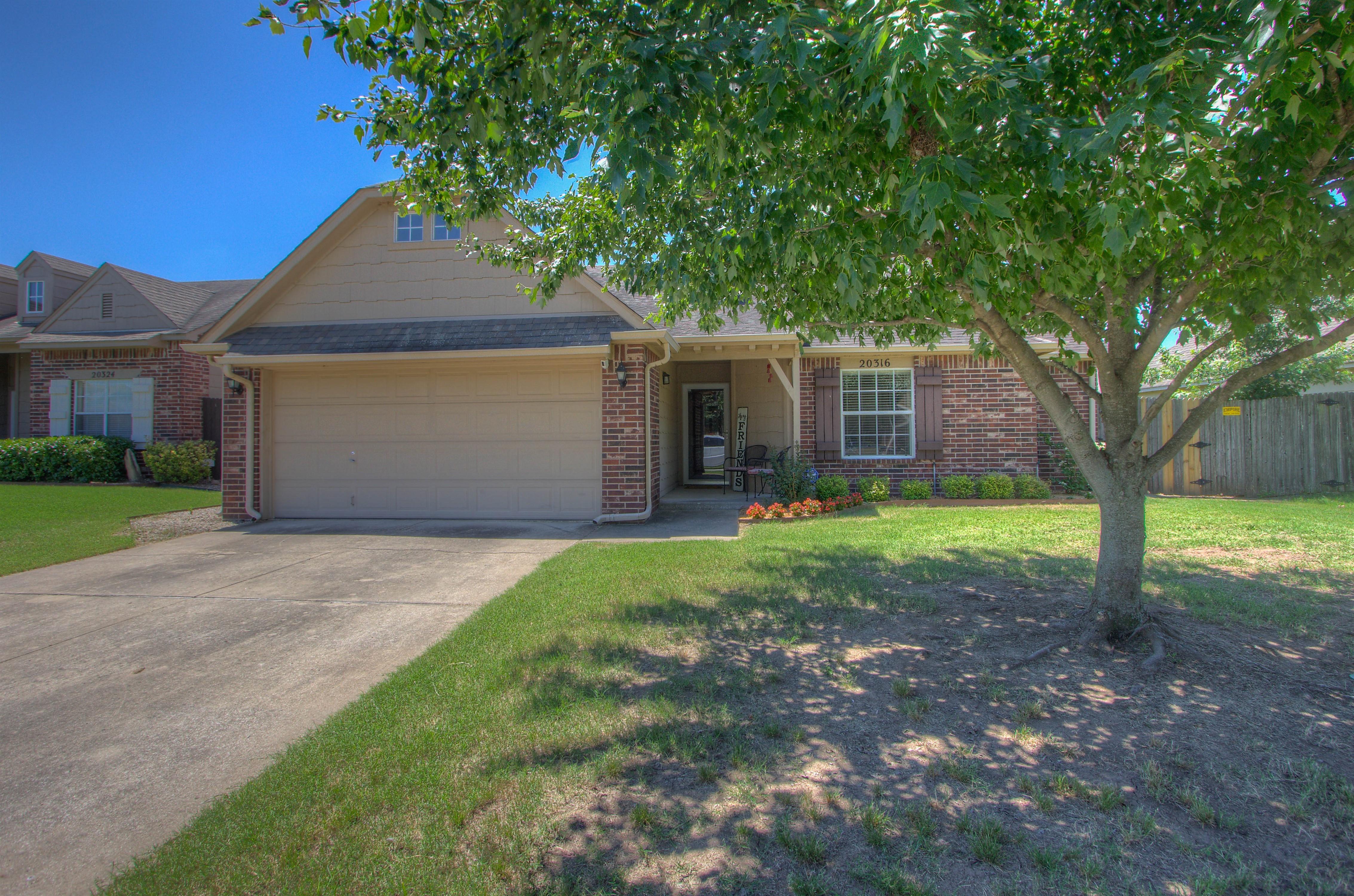 20316 E 41st Place Property Photo
