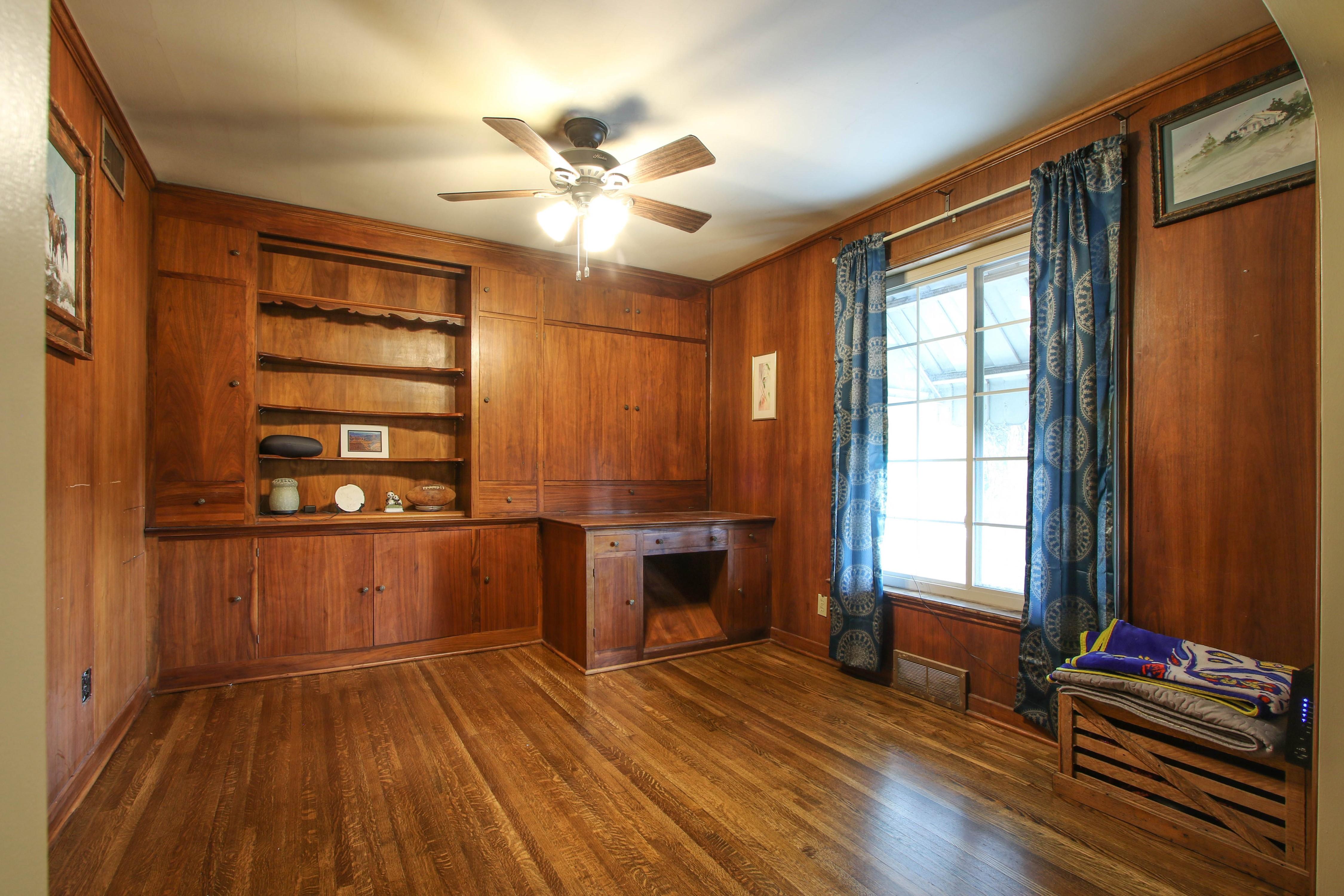 309 W 10th Avenue Property Photo 8