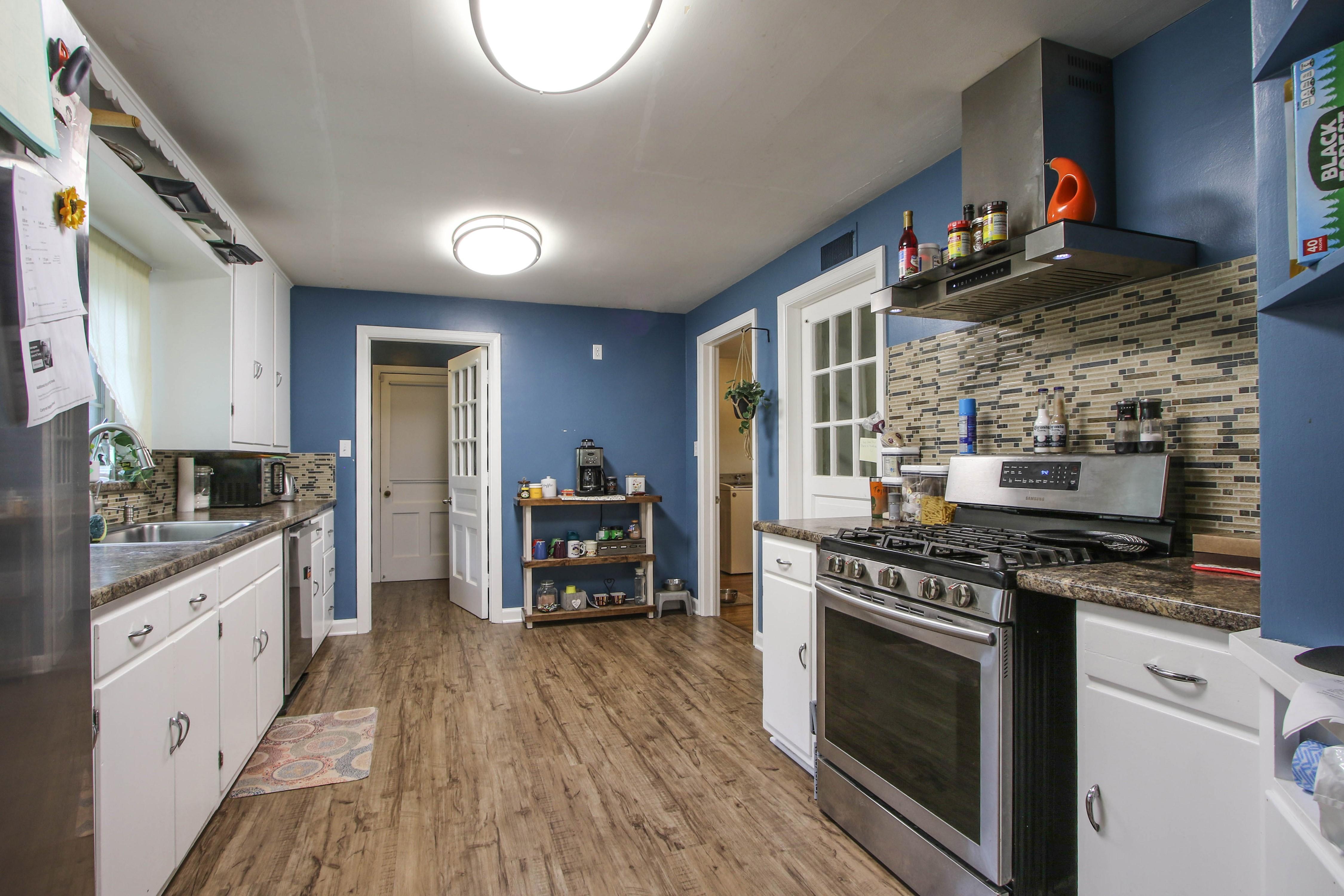309 W 10th Avenue Property Photo 12