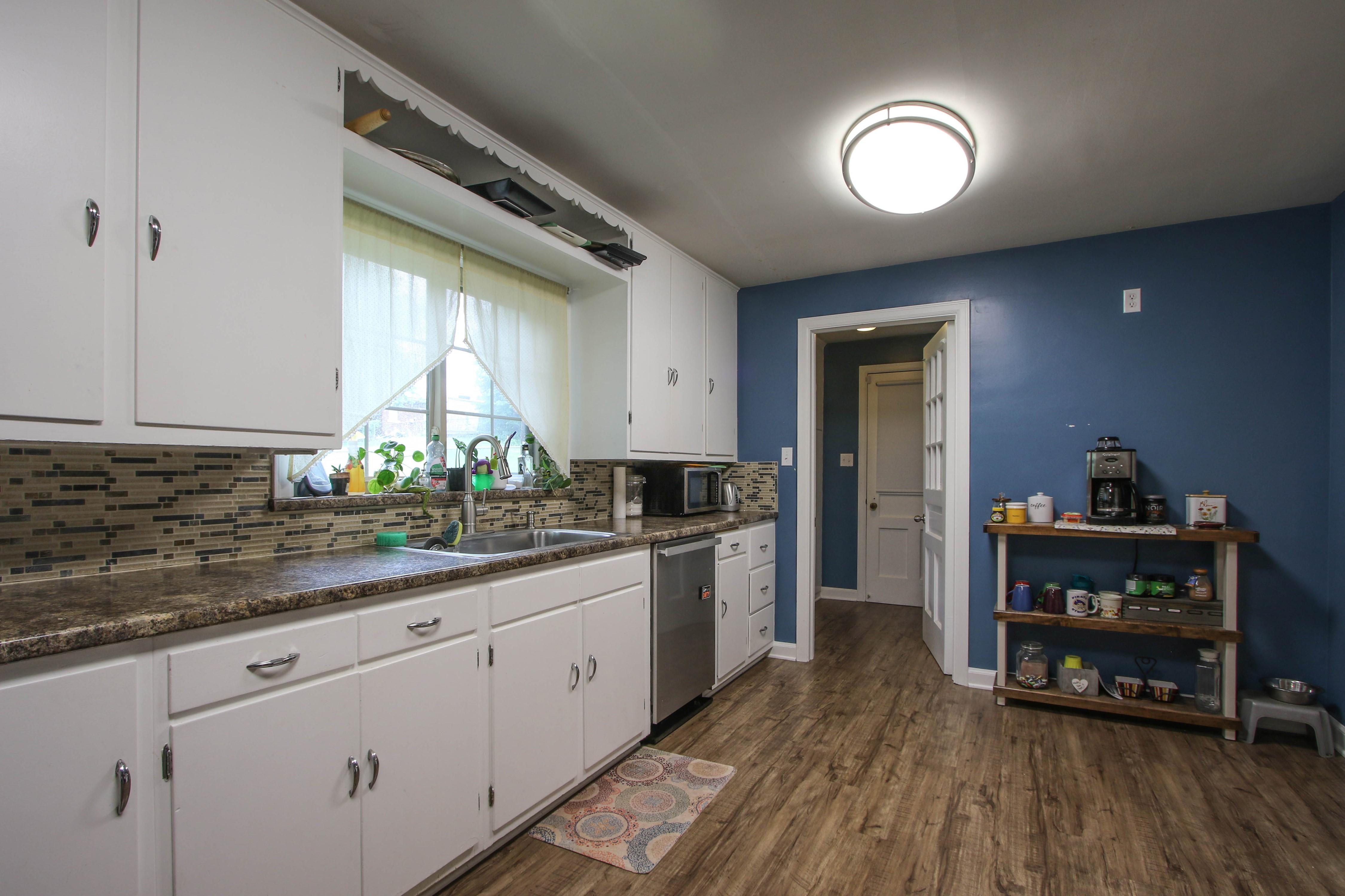 309 W 10th Avenue Property Photo 13