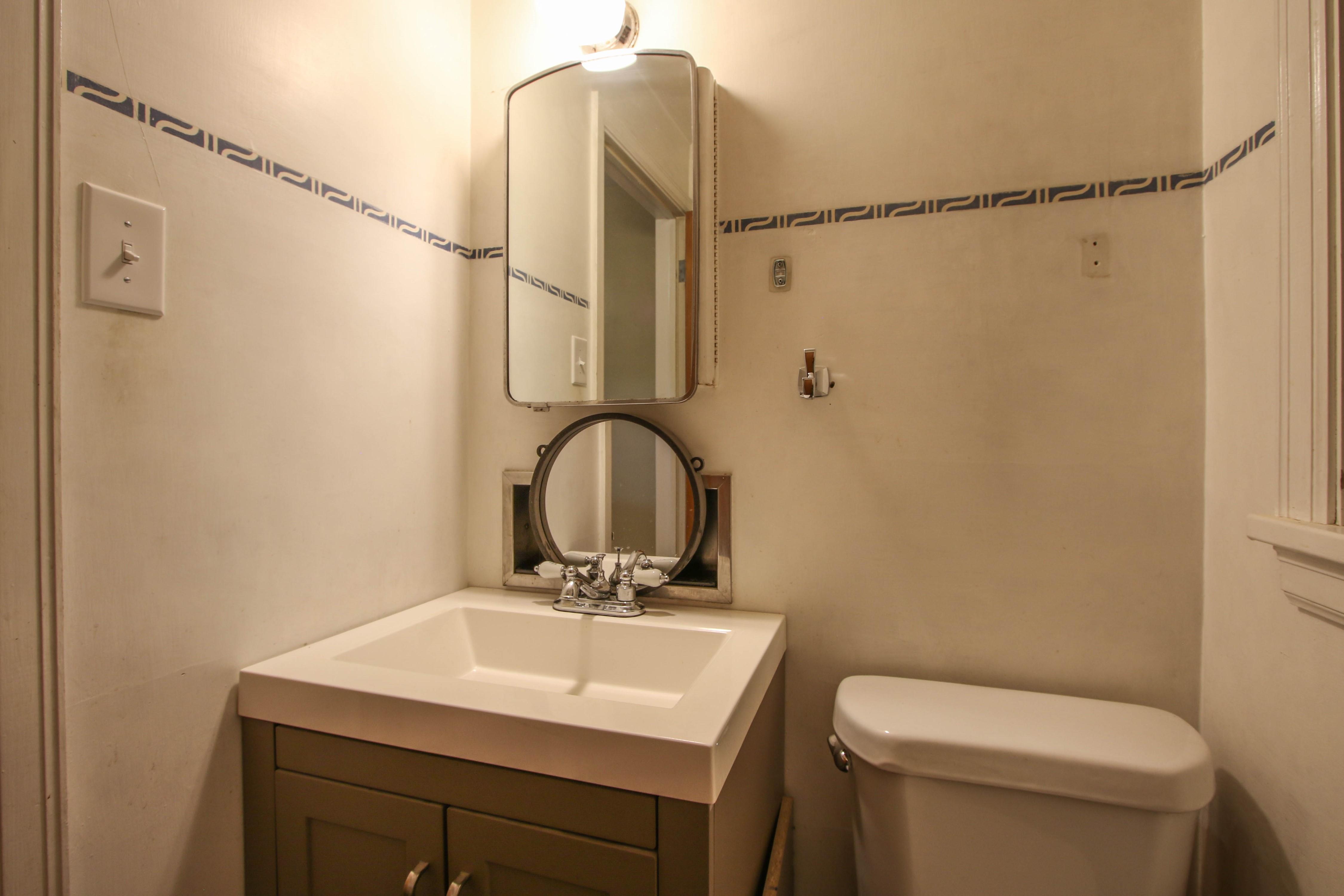 309 W 10th Avenue Property Photo 18