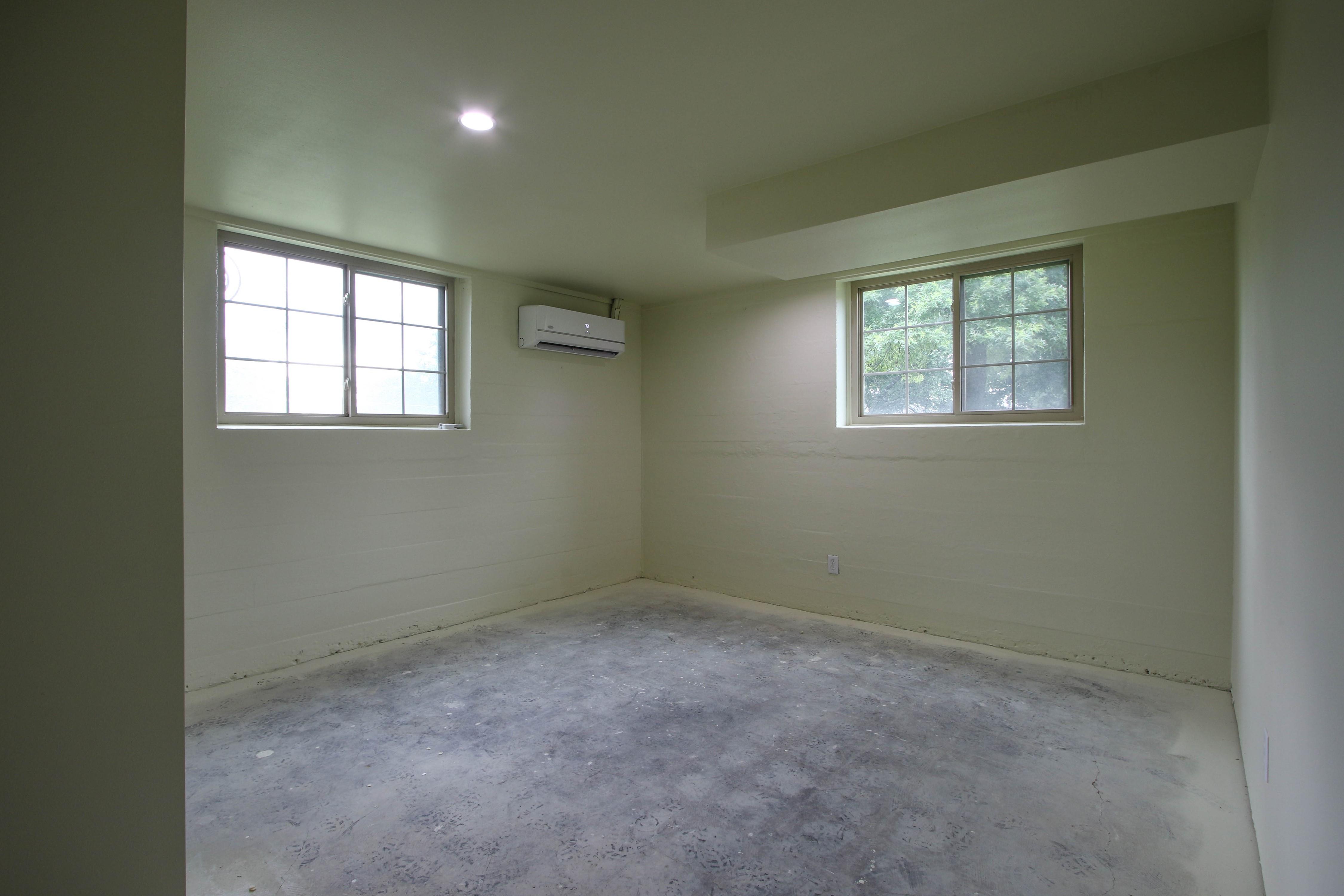 309 W 10th Avenue Property Photo 27