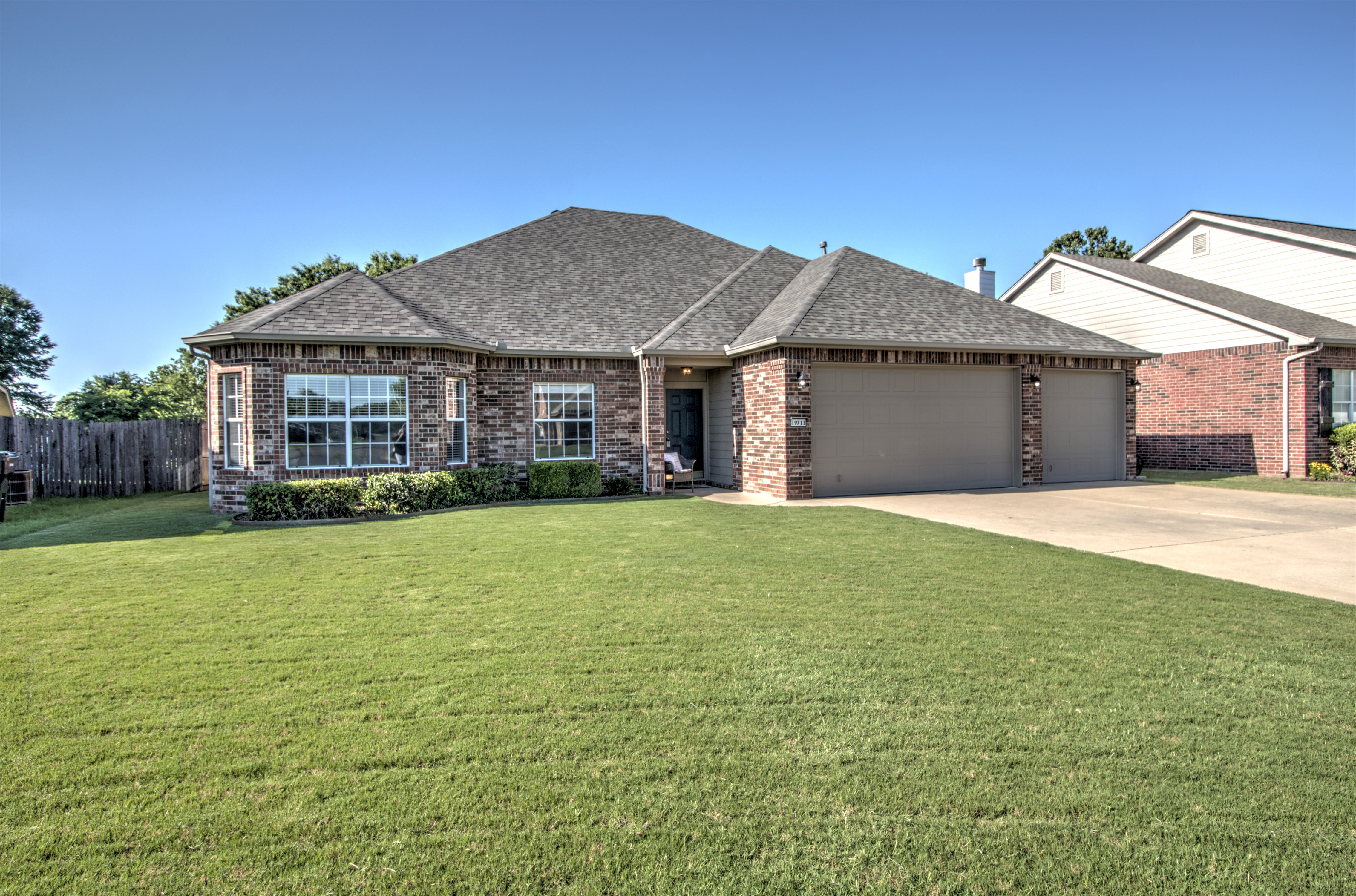 Eagle Creek Iv Real Estate Listings Main Image