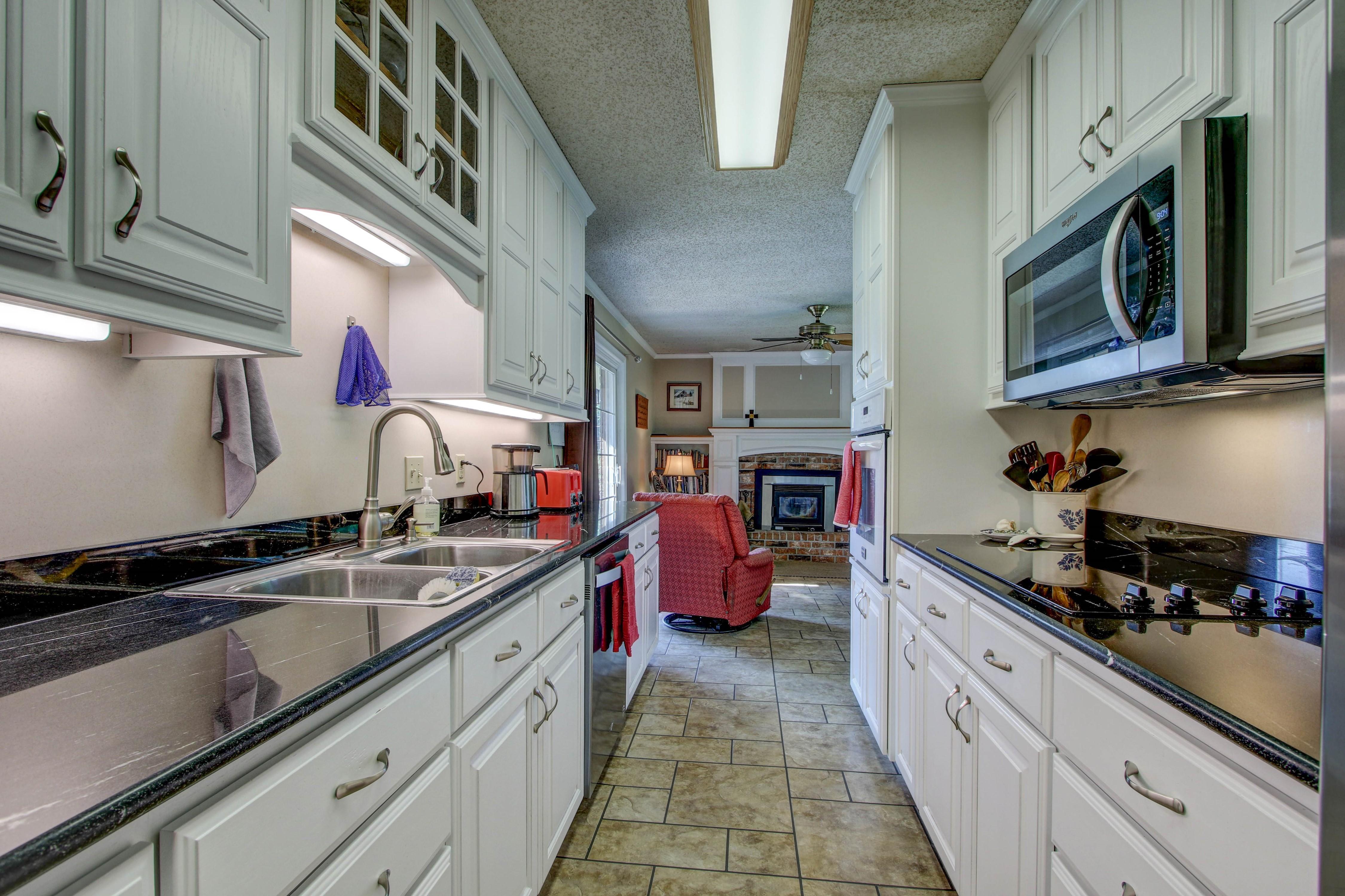 302 E Fuller Street Property Photo 8