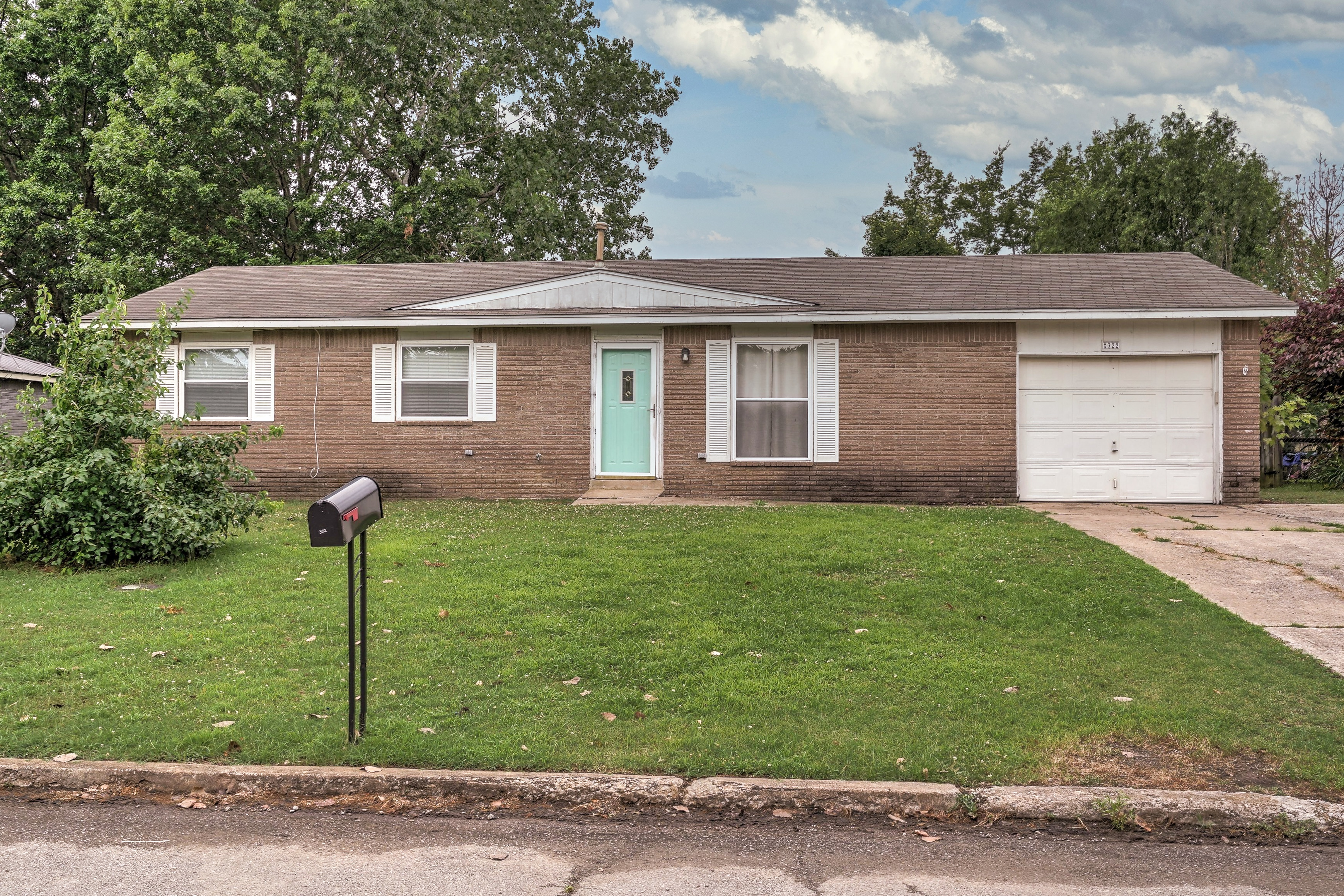322 Green Meadow Drive Property Photo 1