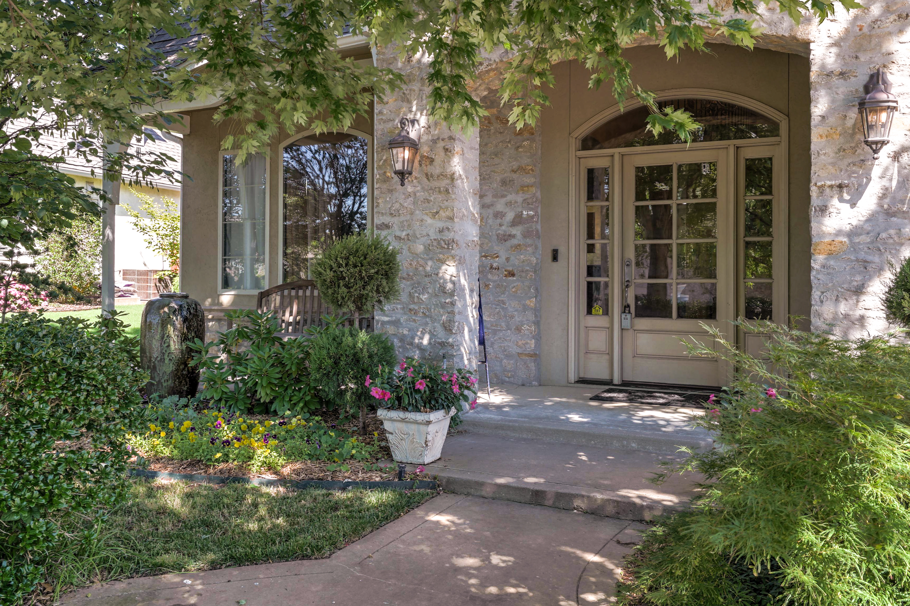 12120 S 2nd Street Property Photo 3