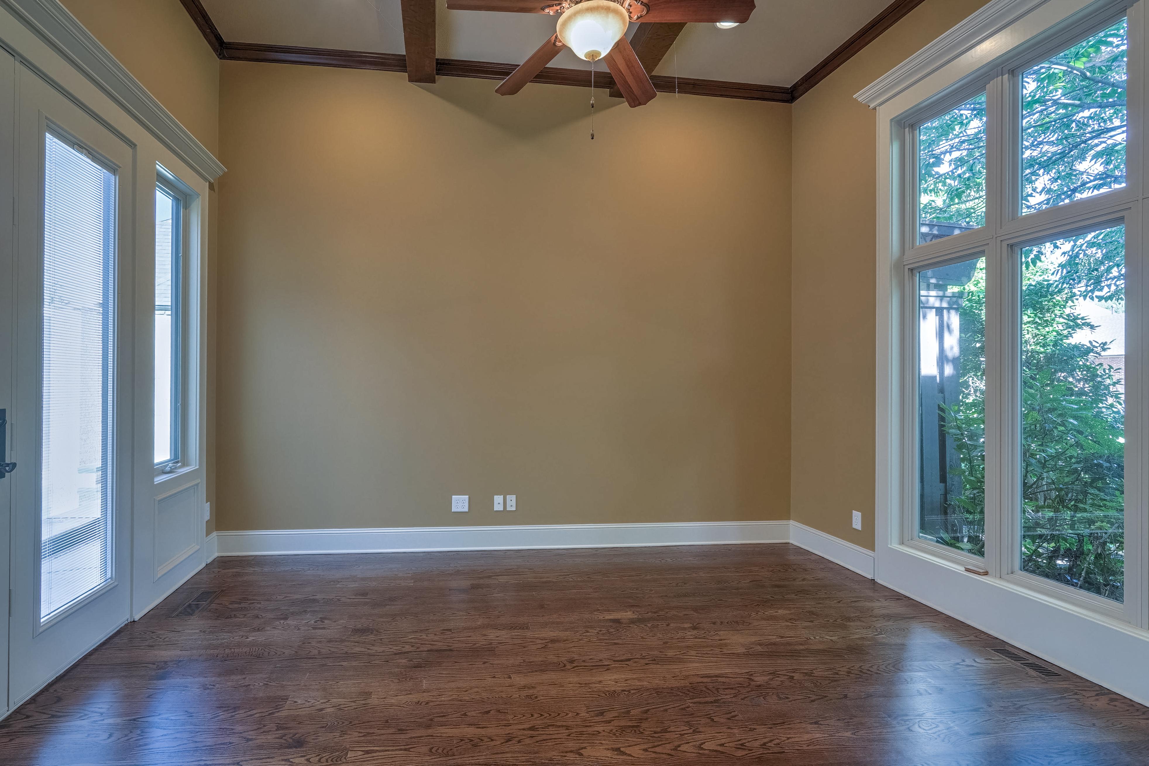 4626 E 109th Place Property Photo 5