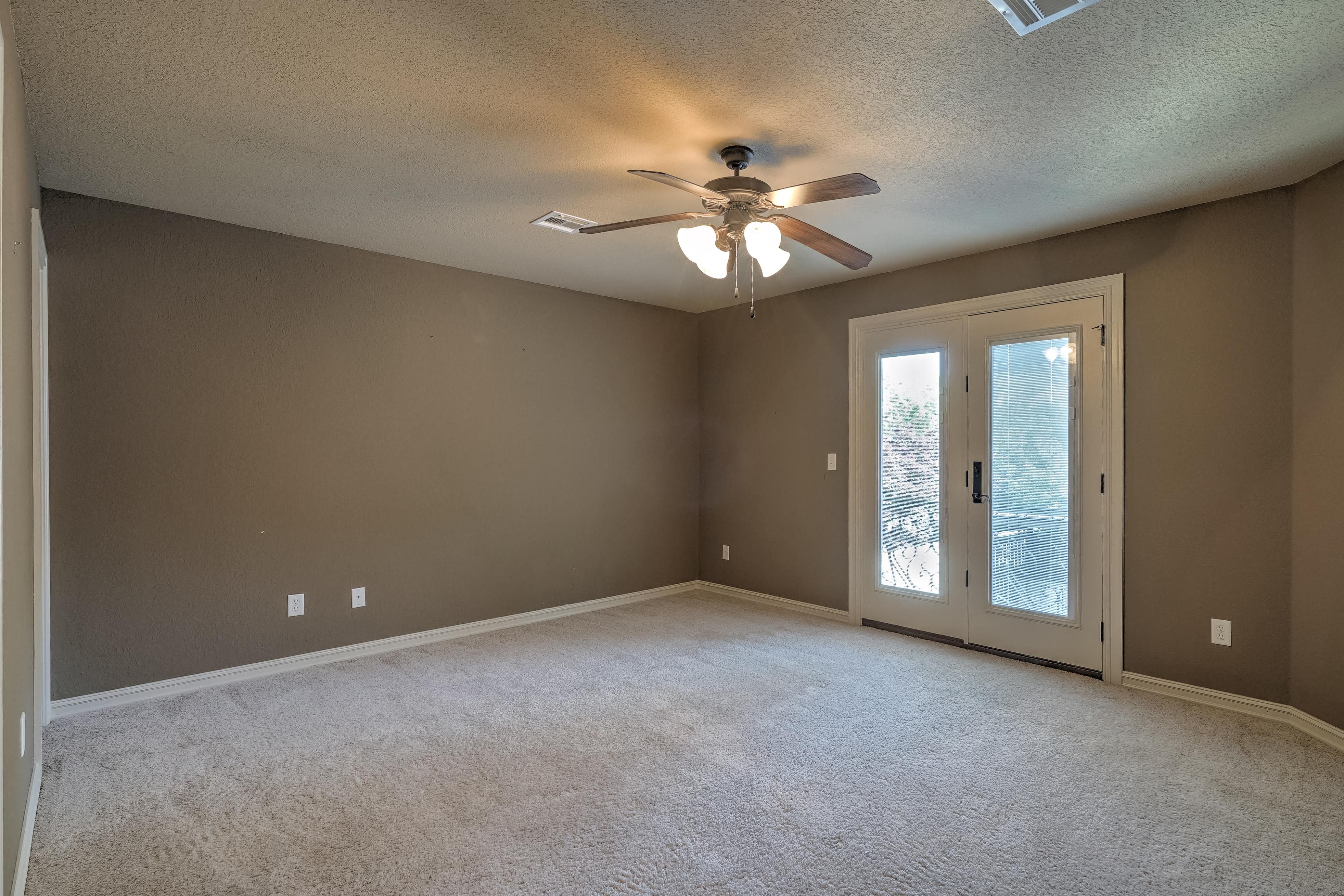 4626 E 109th Place Property Photo 31