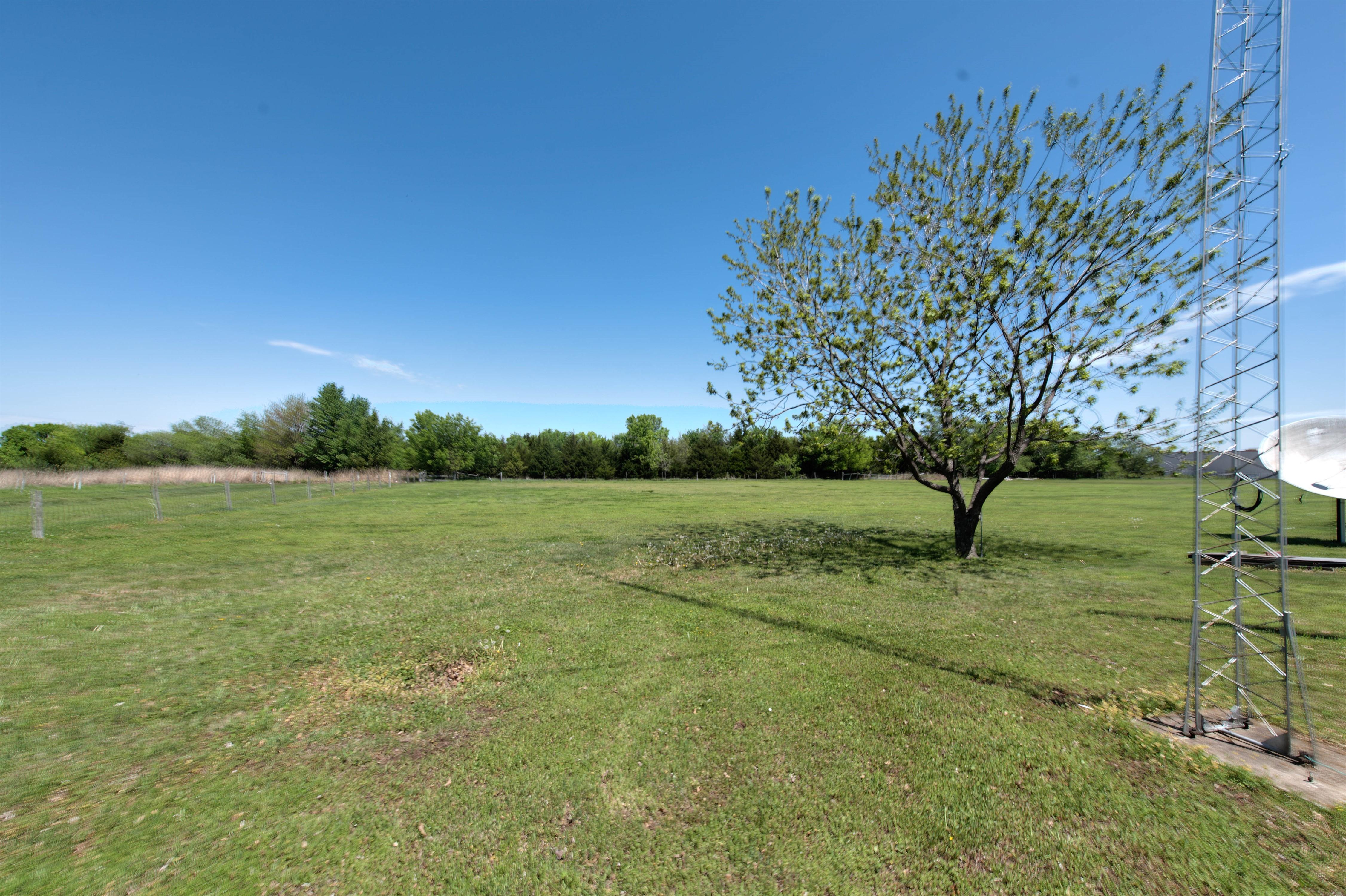 301 E Prospect Avenue Property Photo 6