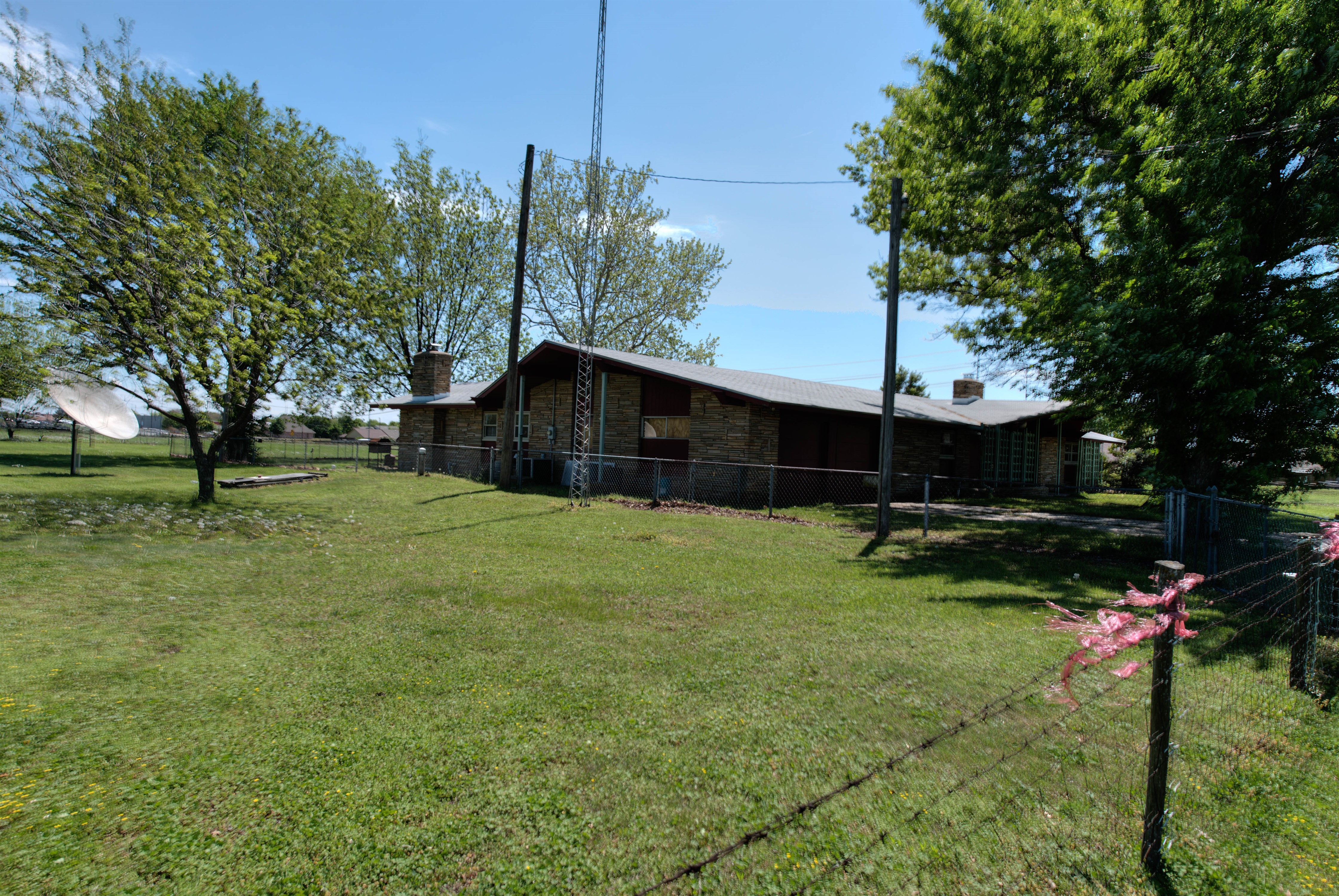 301 E Prospect Avenue Property Photo 9