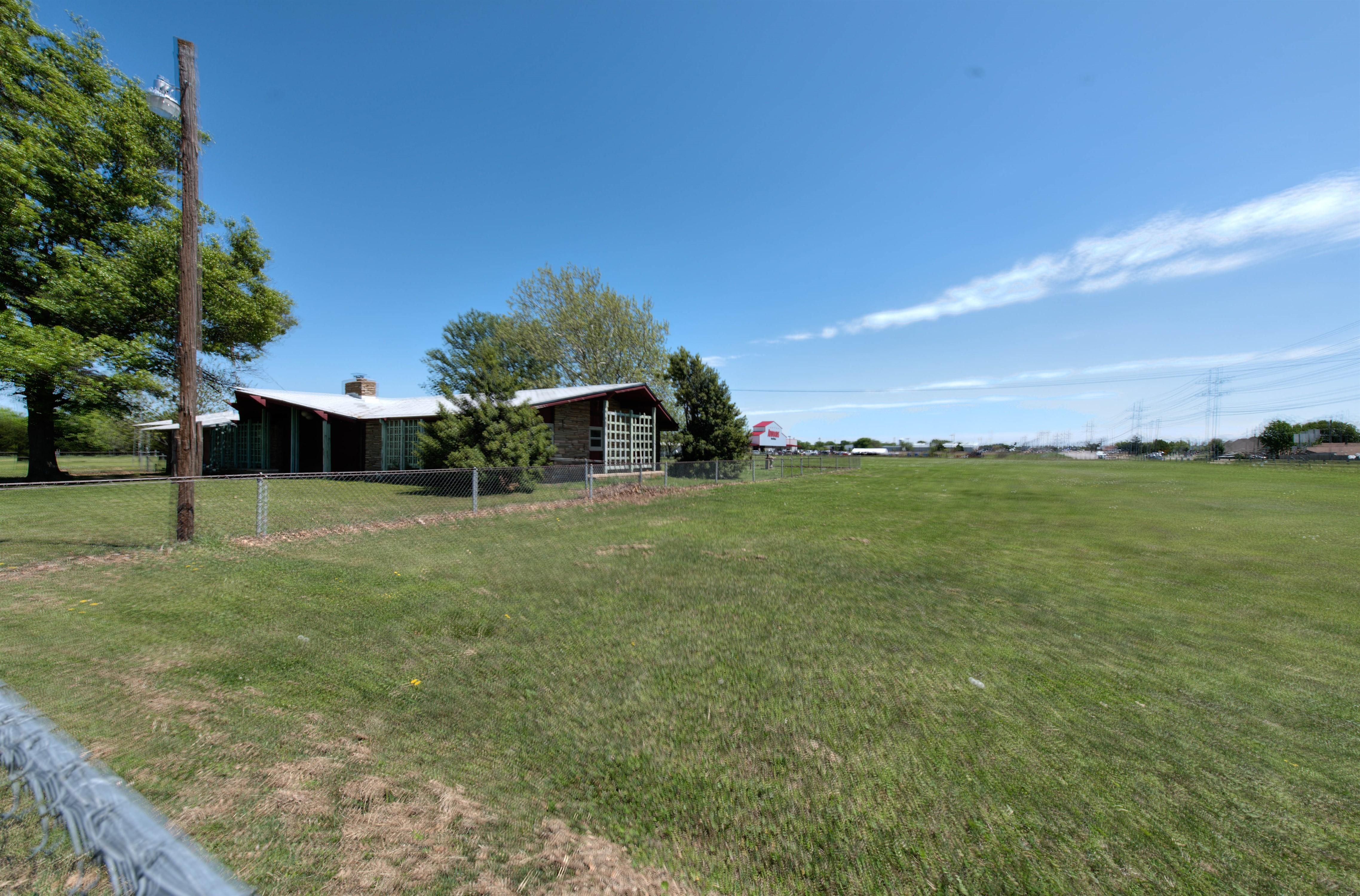 301 E Prospect Avenue Property Photo 11