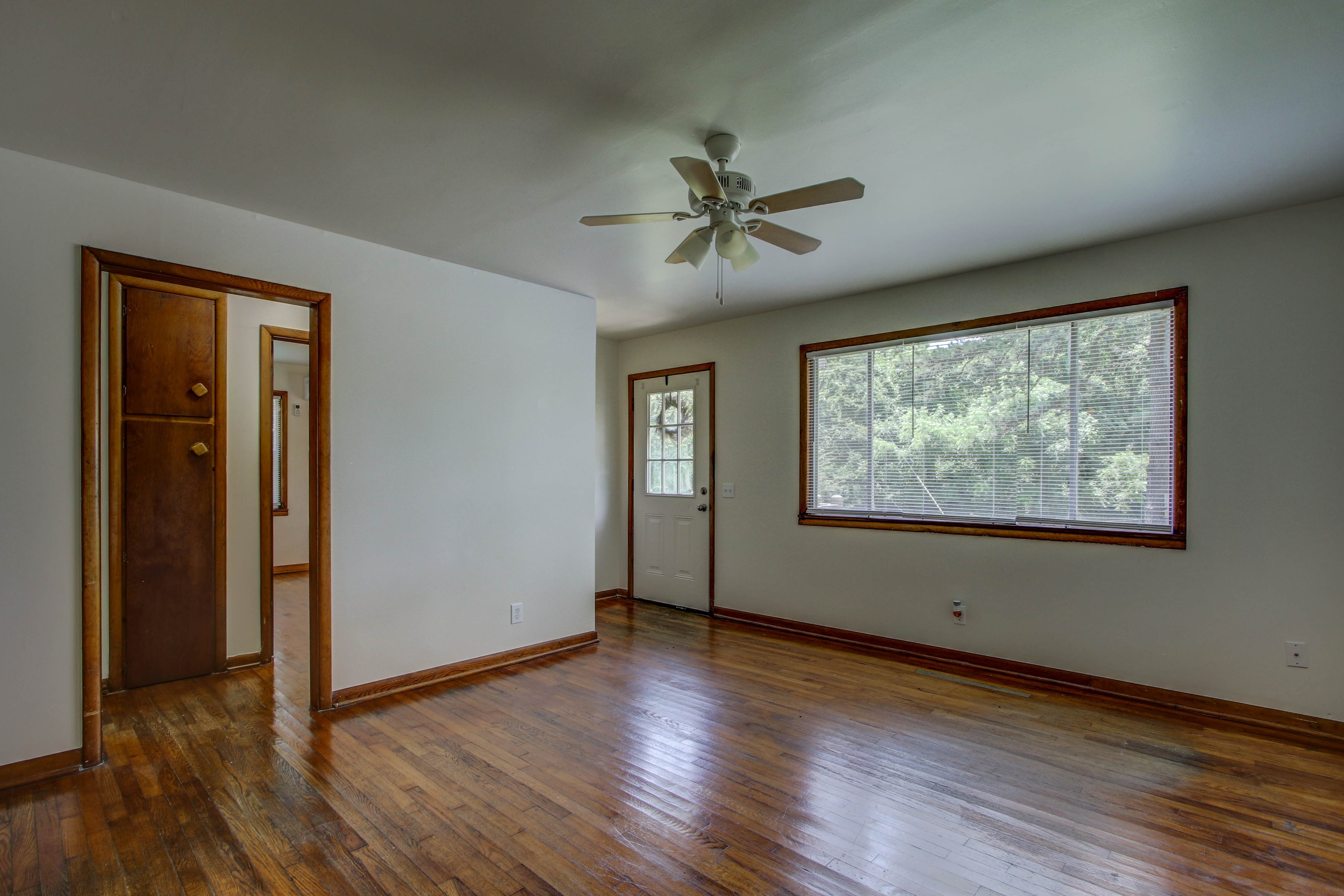 905 S Kindle Avenue Property Photo 7