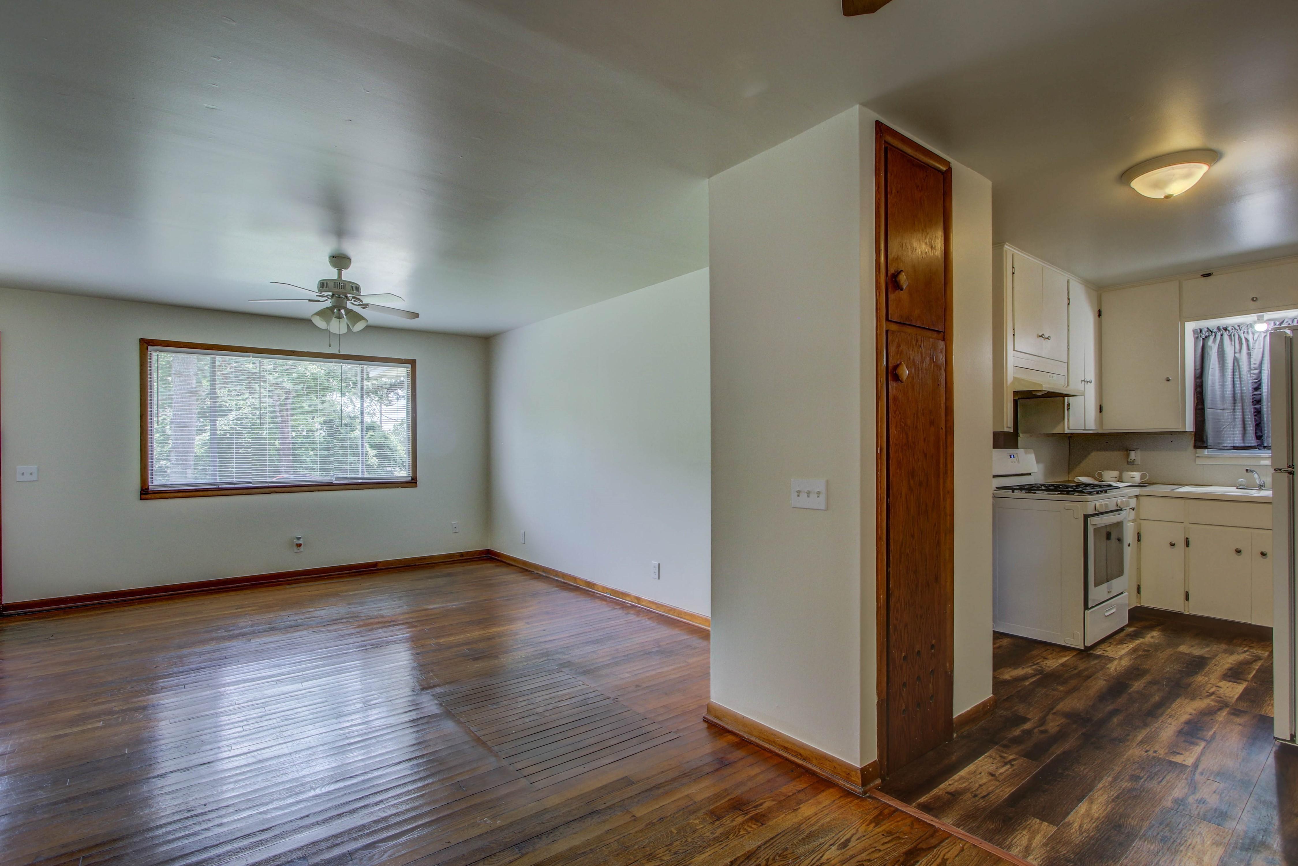 905 S Kindle Avenue Property Photo 9