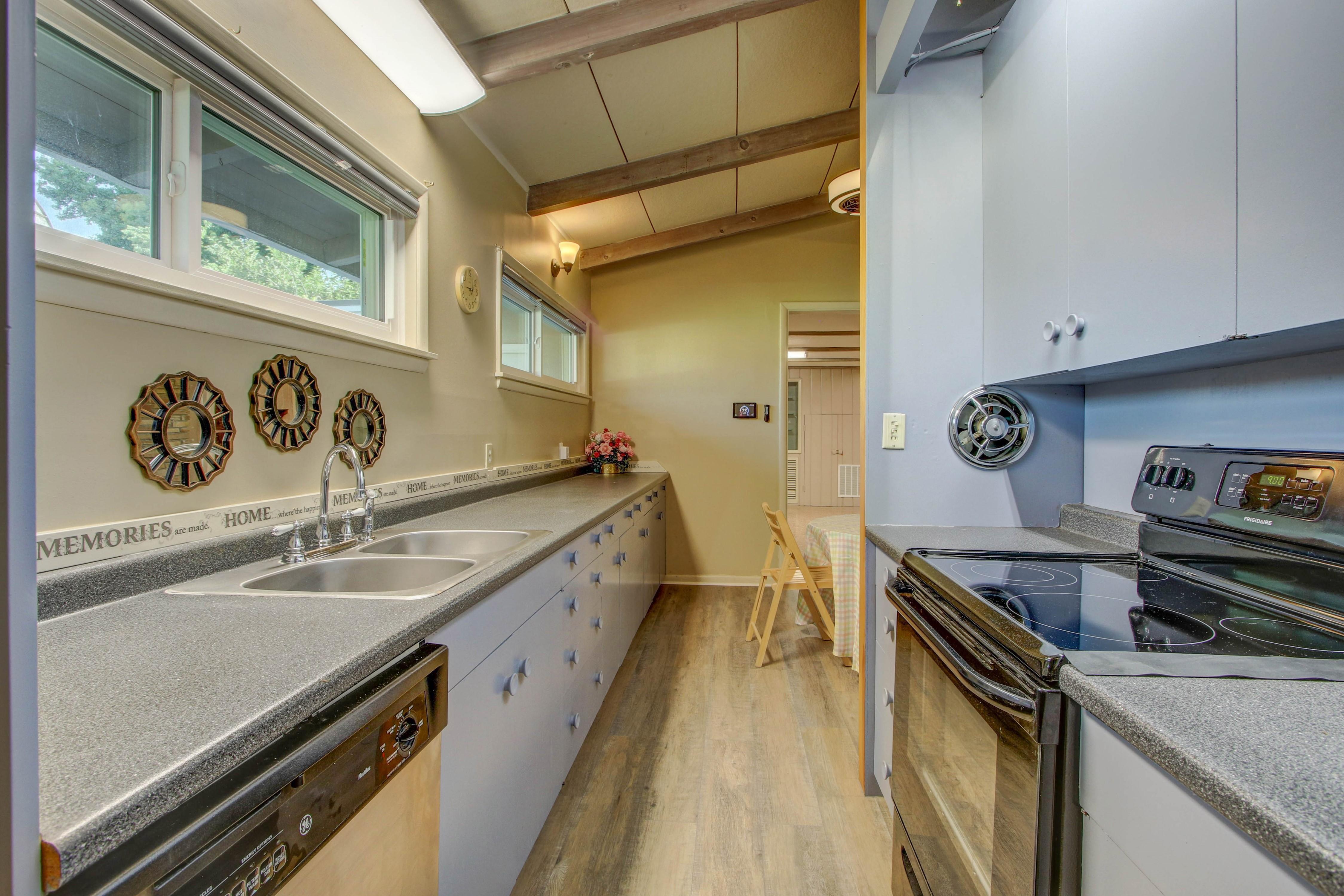 4189 S Trenton Avenue Property Photo 4