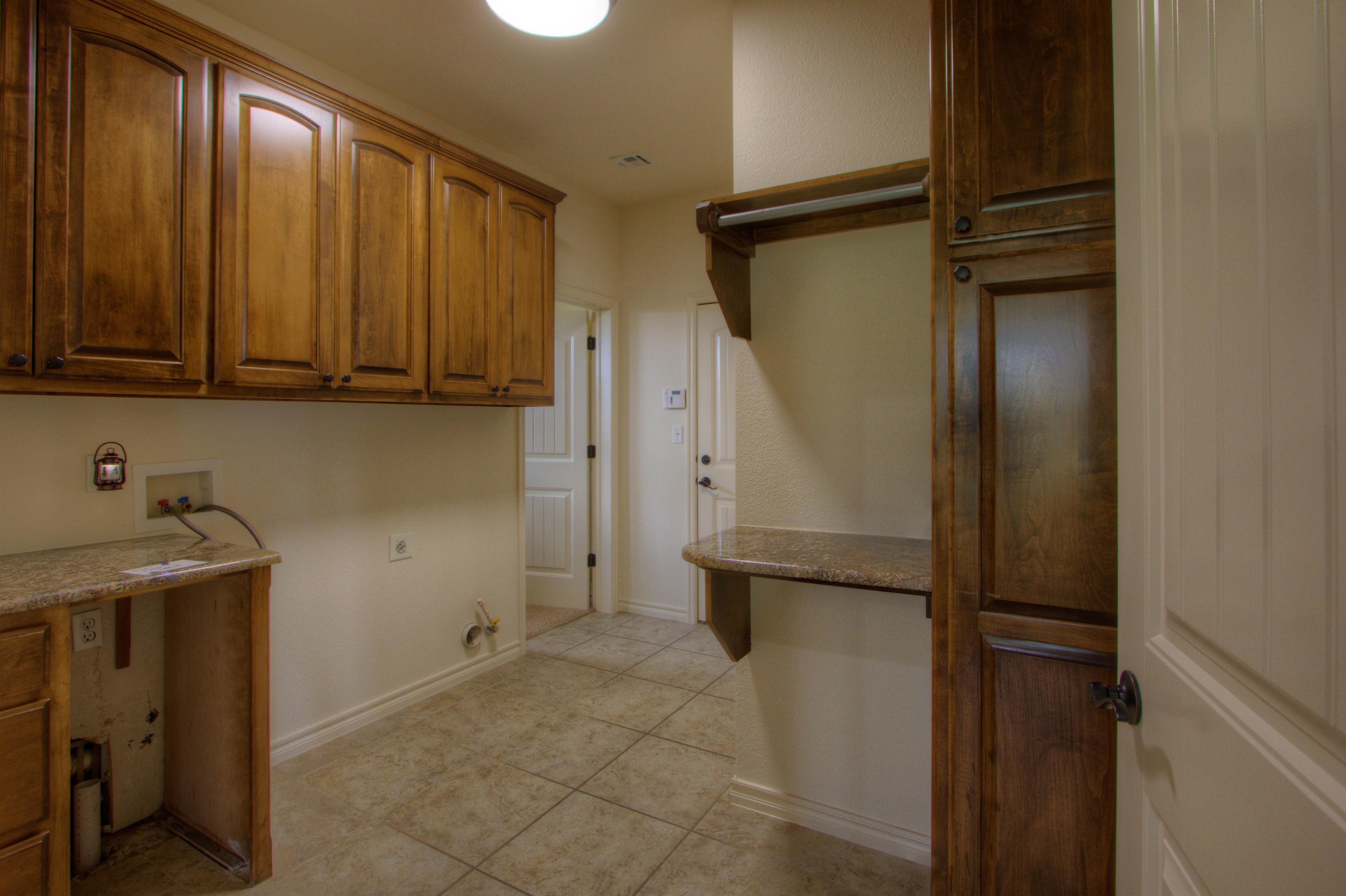 501 E Lakeview Drive Property Photo 14