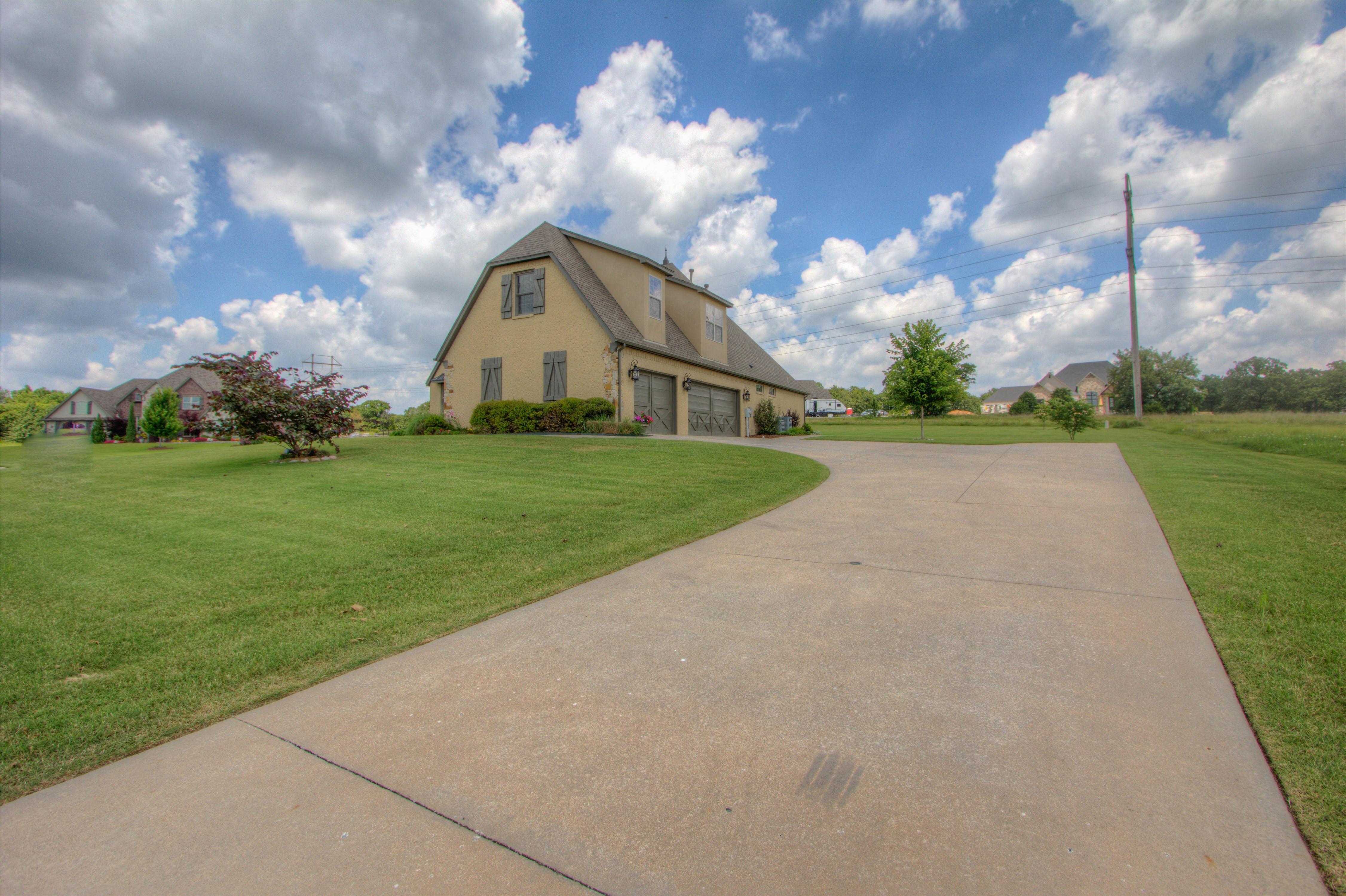 501 E Lakeview Drive Property Photo 32