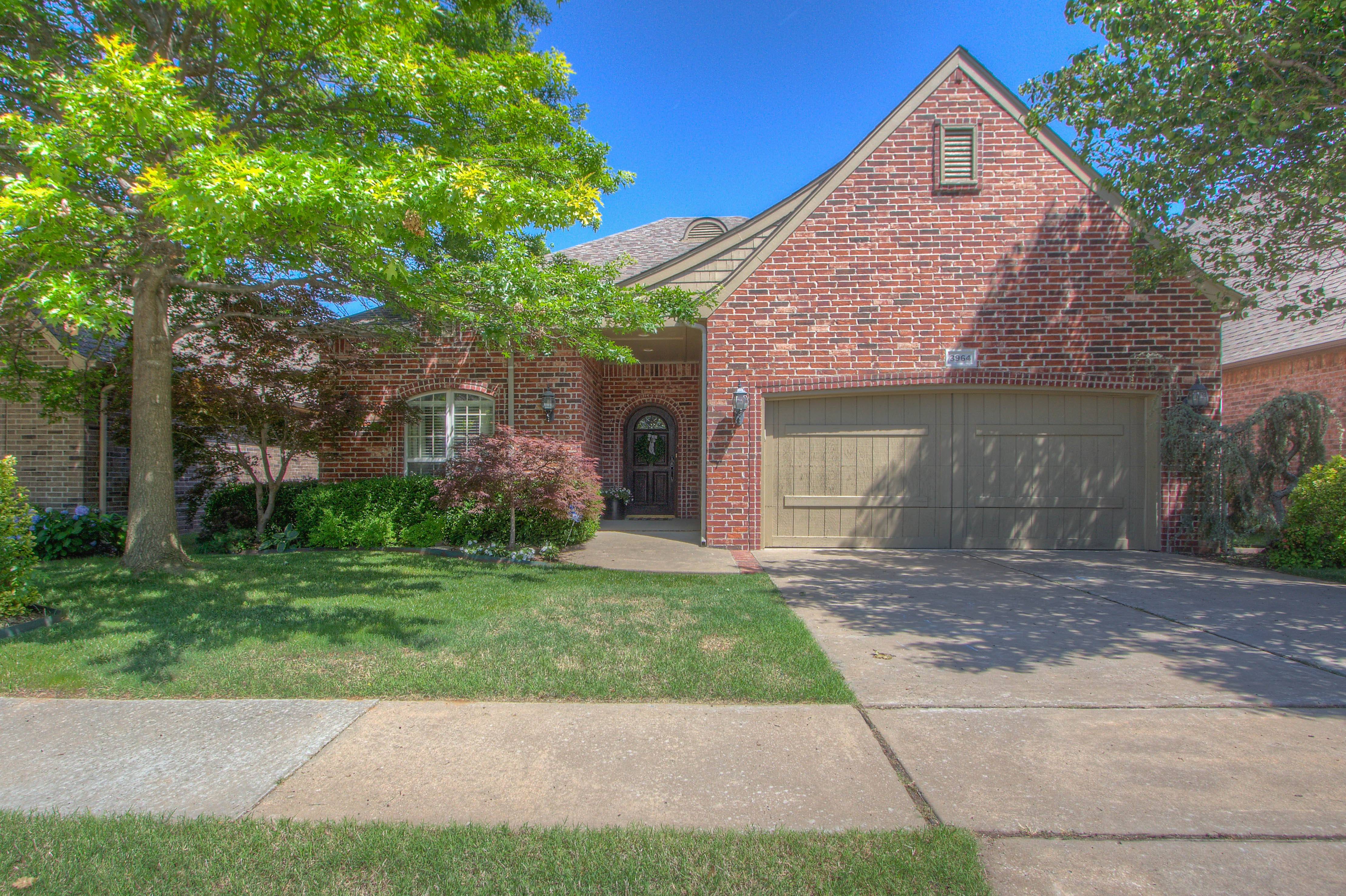 3964 N Pine Avenue Property Photo
