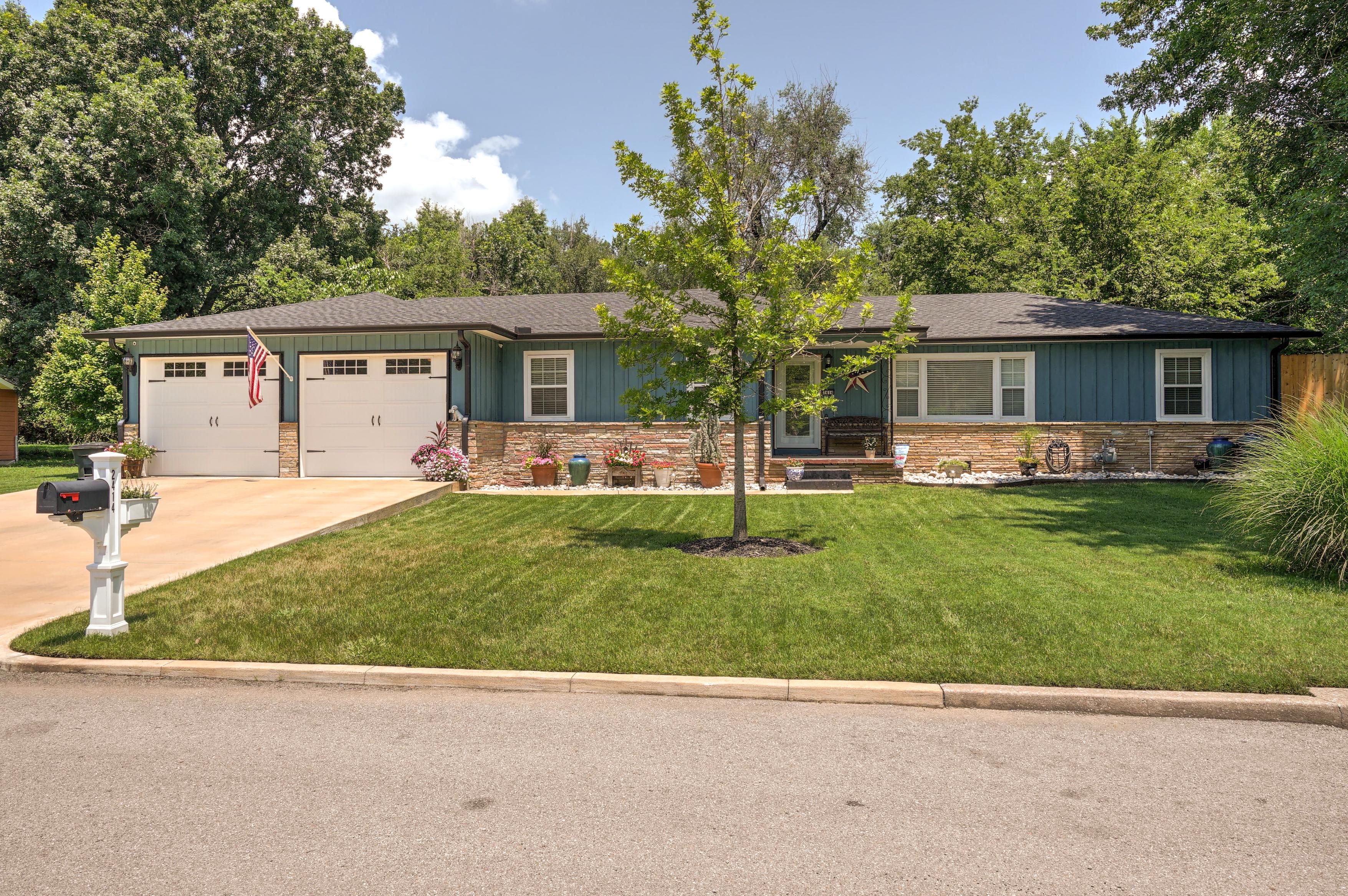 2414 E Sidney Avenue Property Photo
