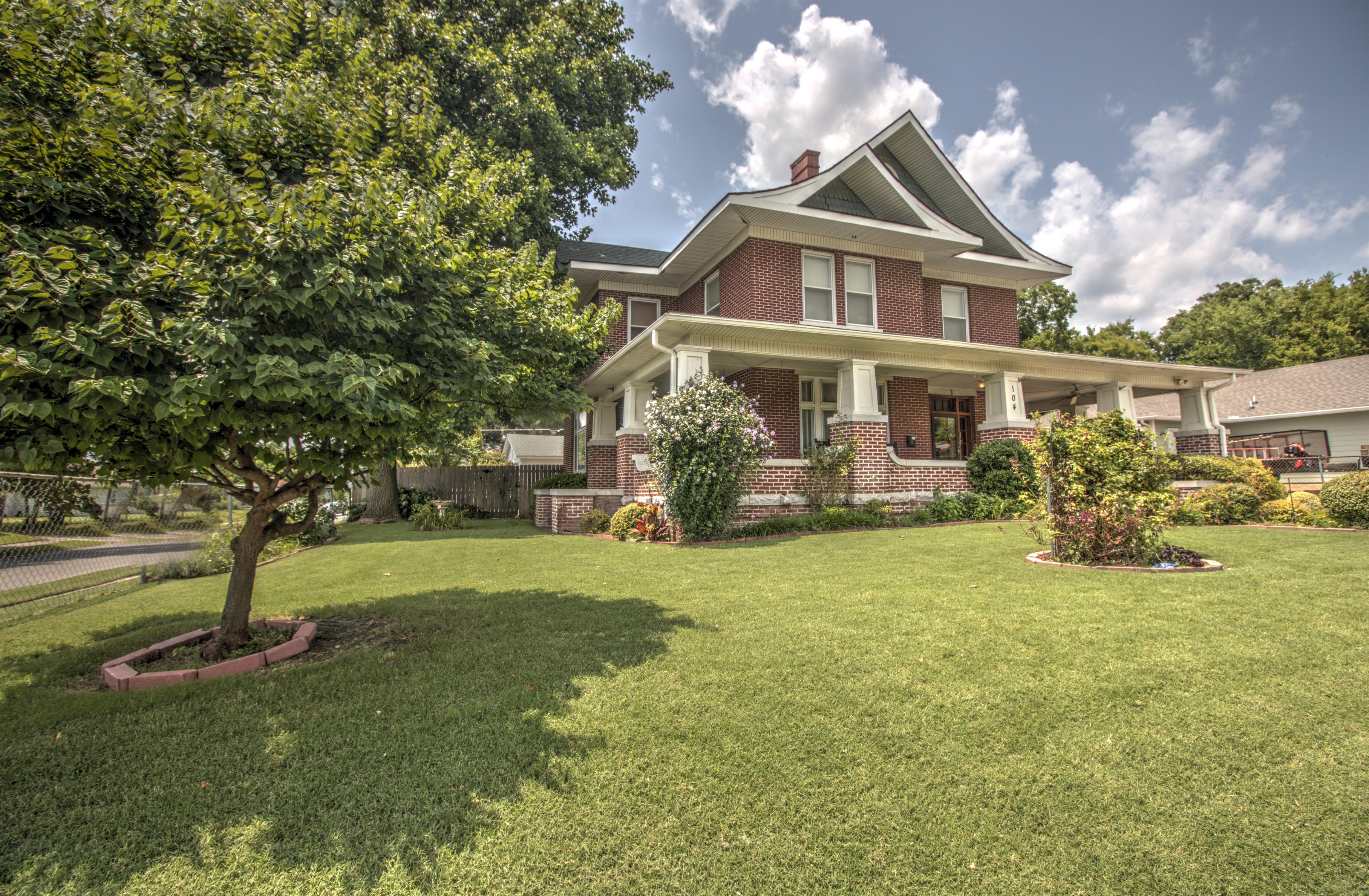 104 N Victor Avenue Property Photo 7