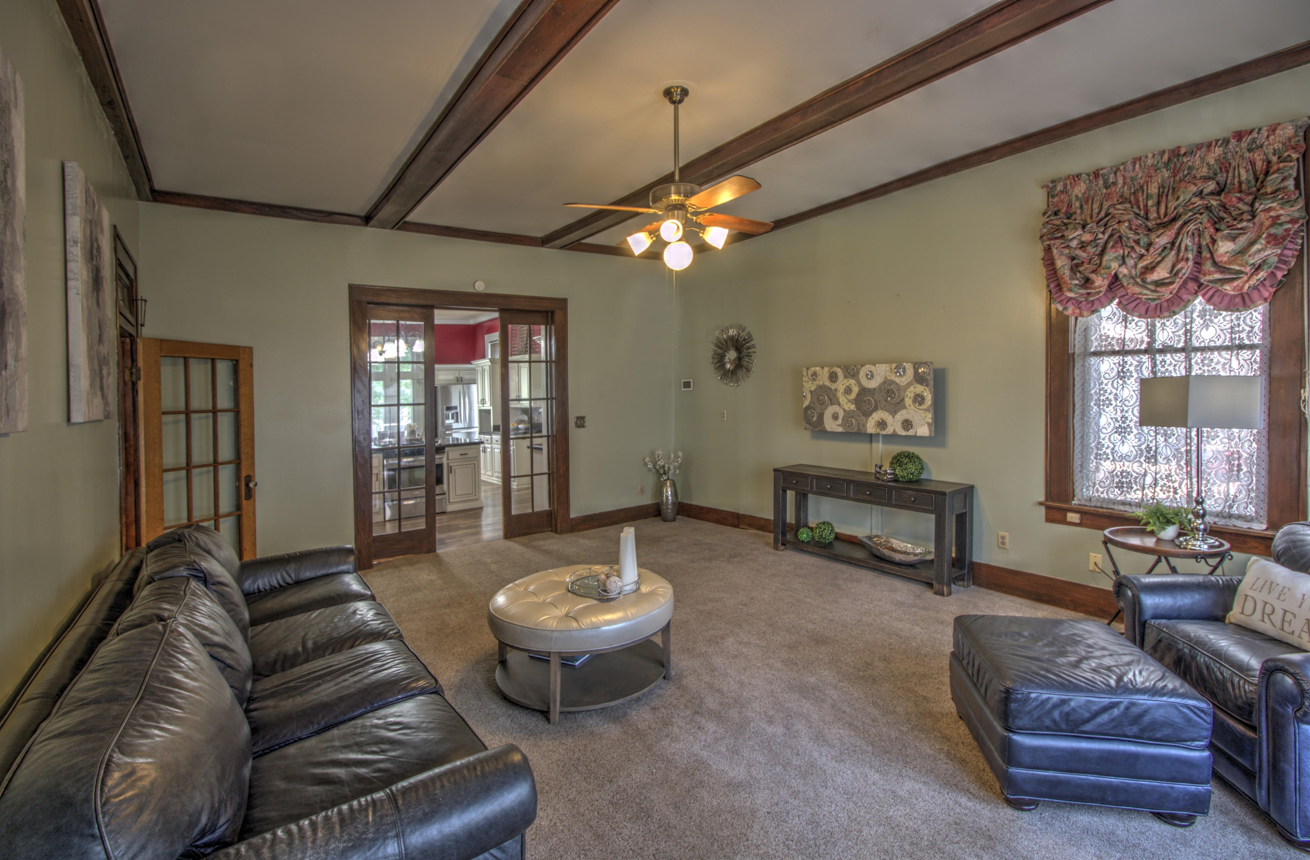 104 N Victor Avenue Property Photo 17