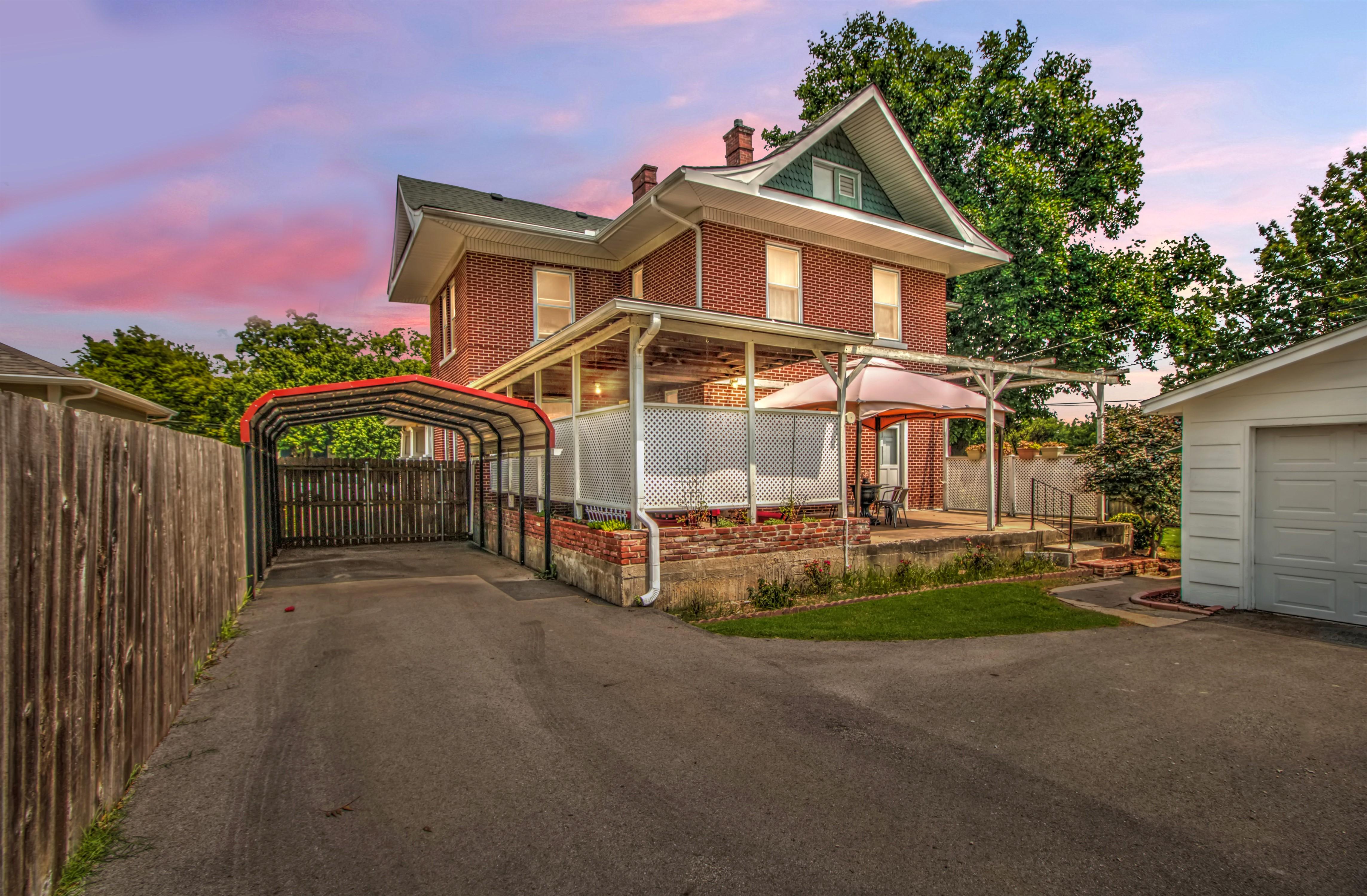 104 N Victor Avenue Property Photo 4