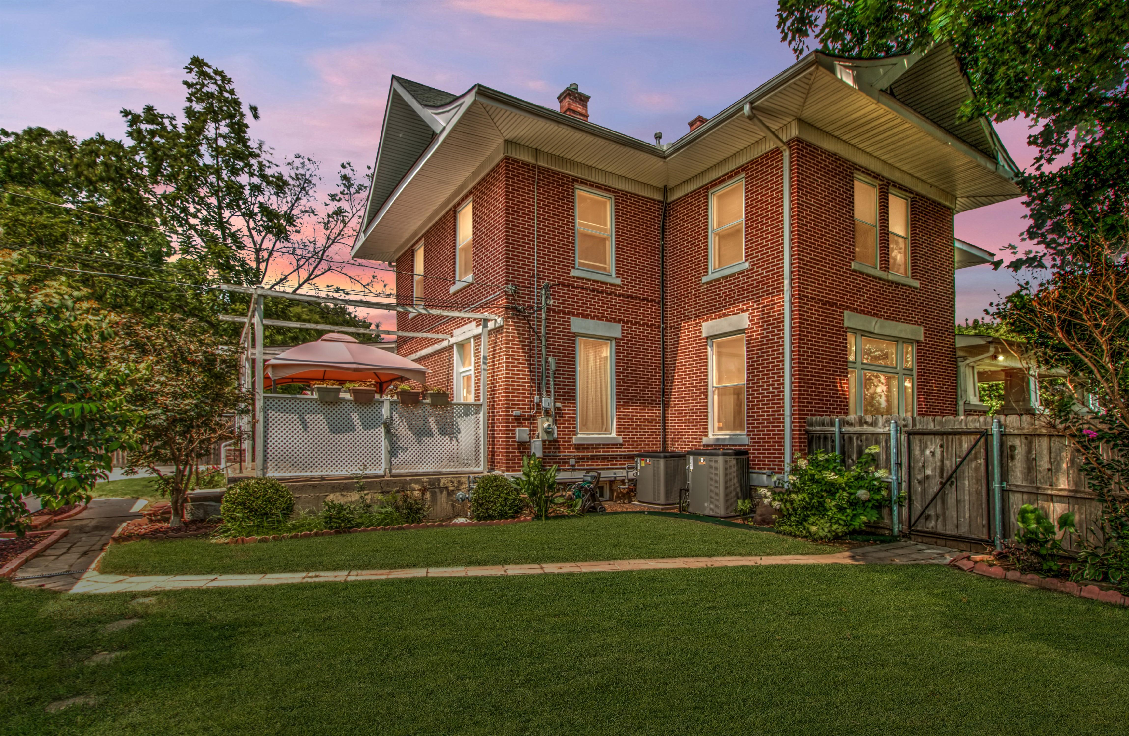 104 N Victor Avenue Property Photo 5