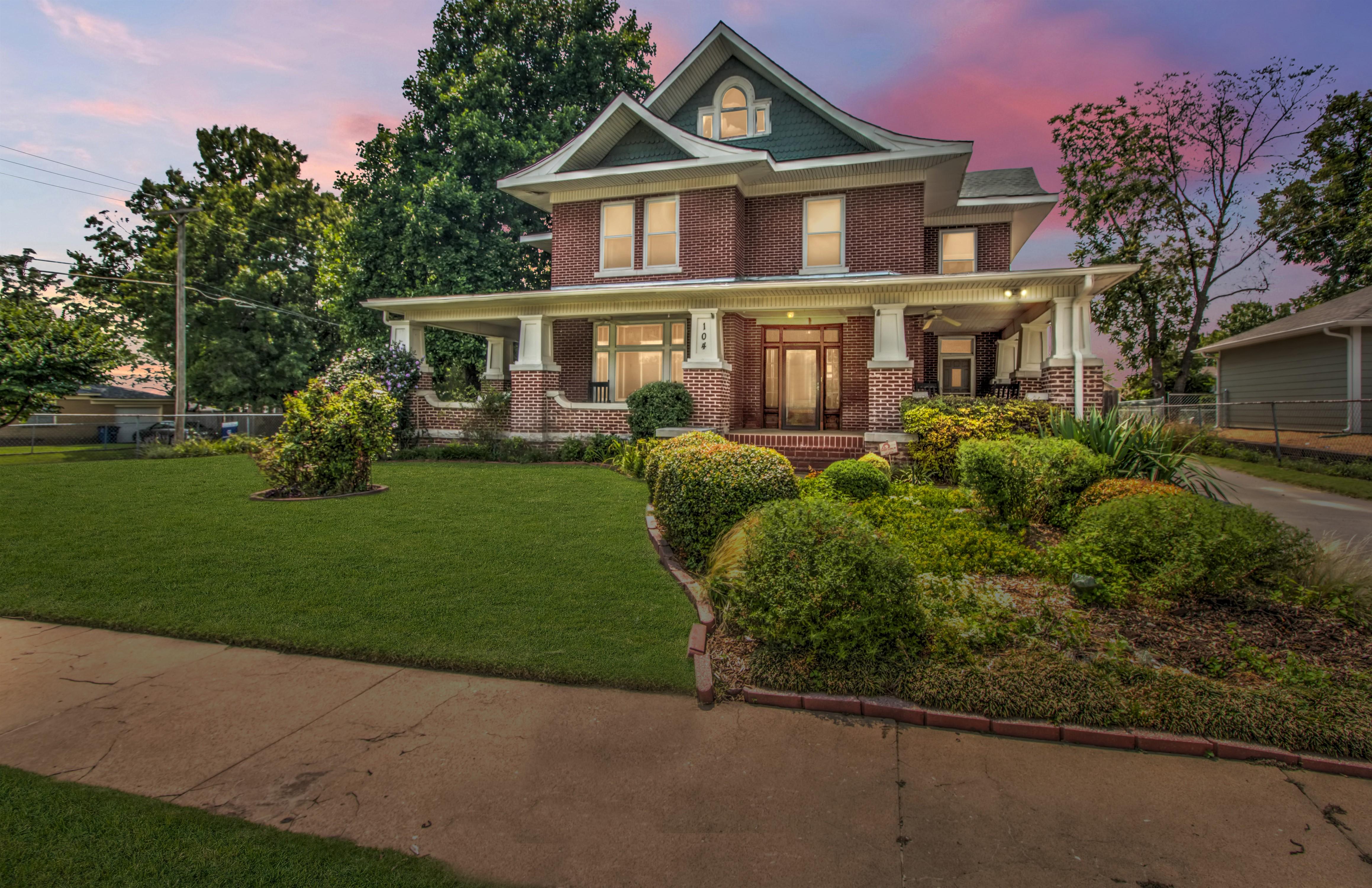 104 N Victor Avenue Property Photo 6